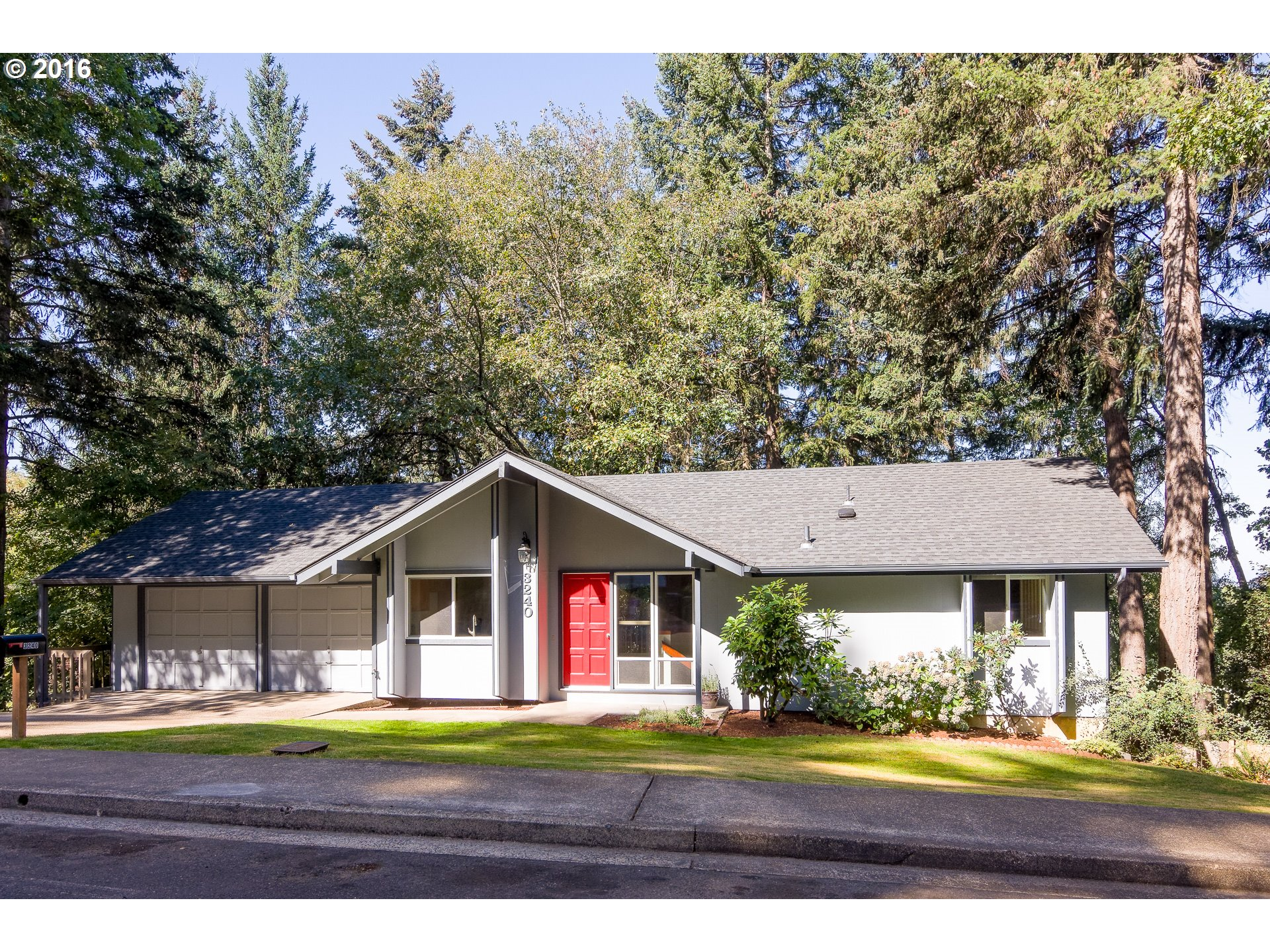 3240 KEVINGTON AVE, Eugene OR 97405