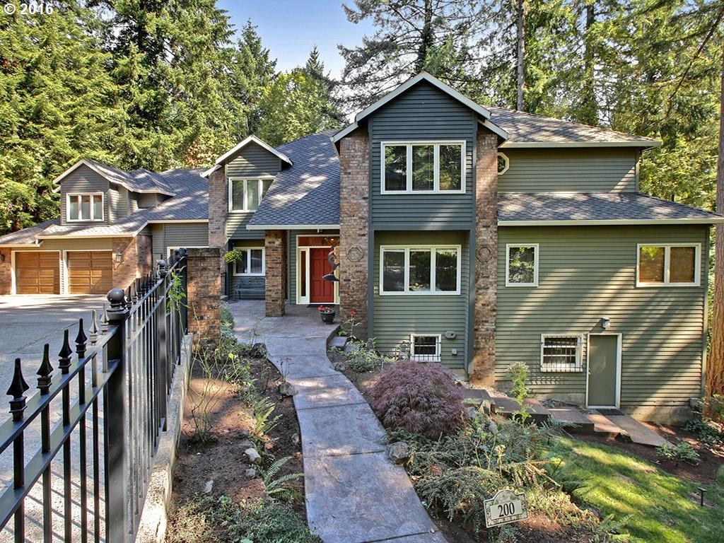 Craftsman homes for sale in portland oregon for Craftsman house for sale