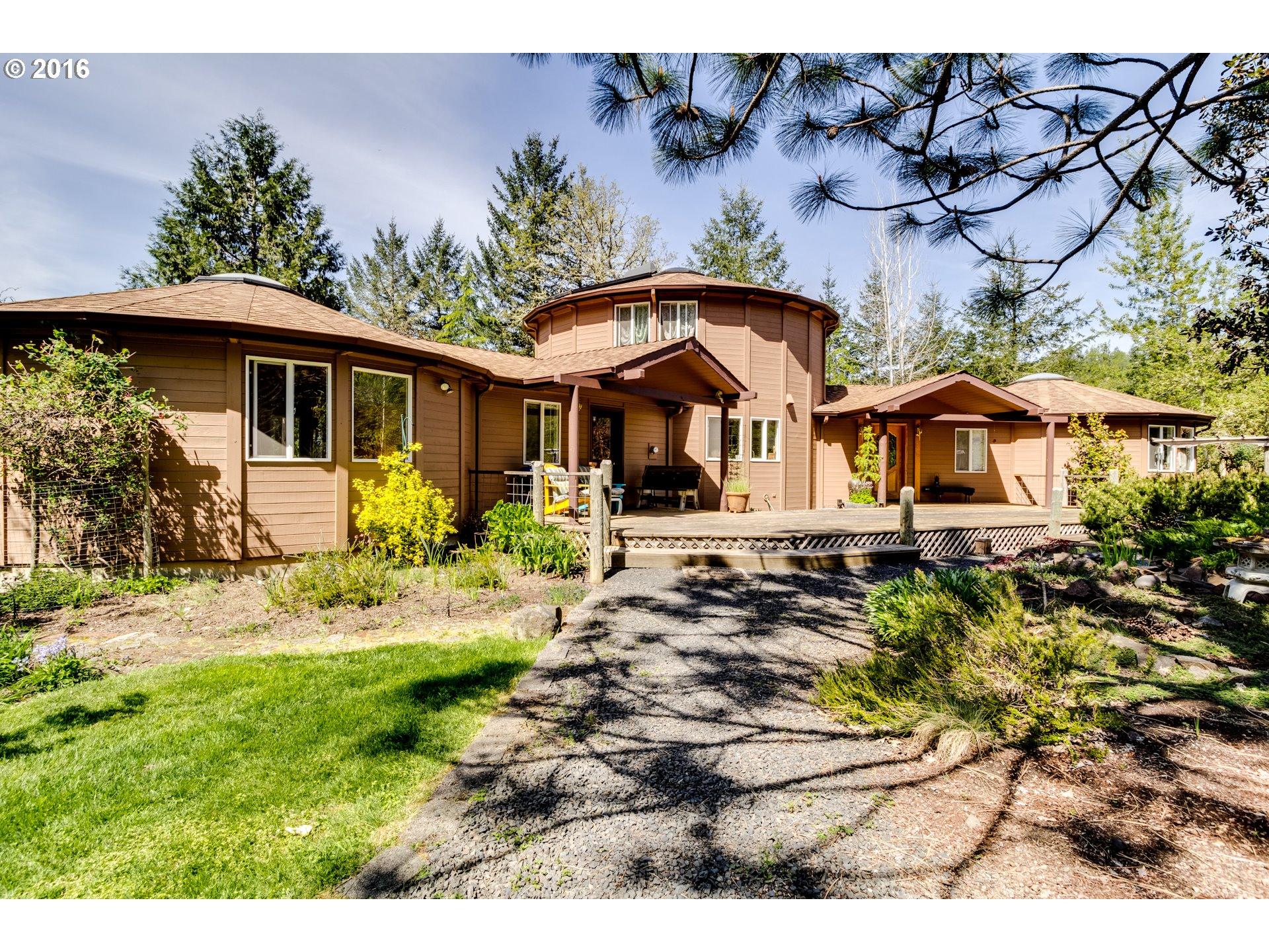 27327 BRIGGS HILL RD, Eugene, OR 97405