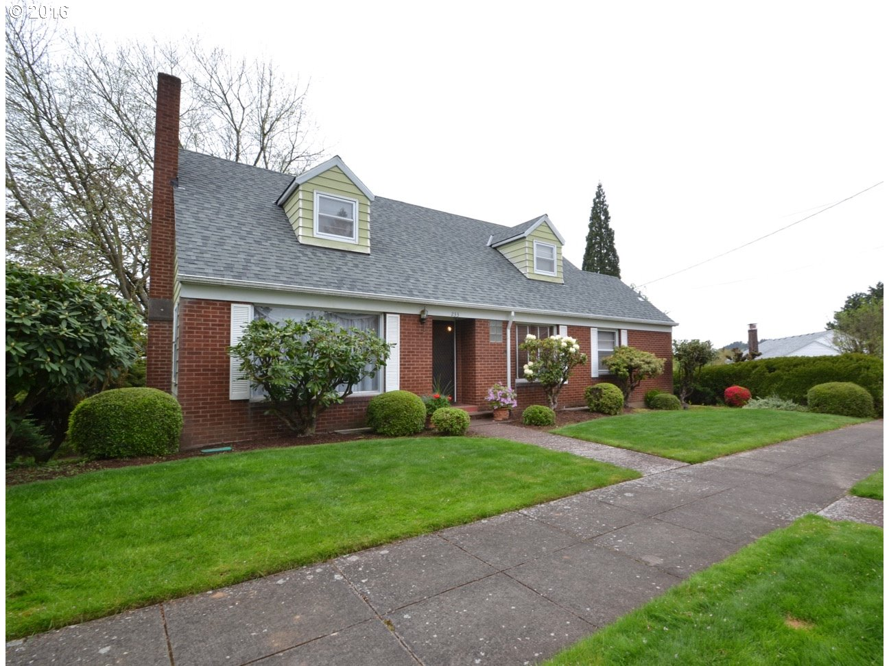 233 NE BILLINGHER DR, Portland, OR 97220