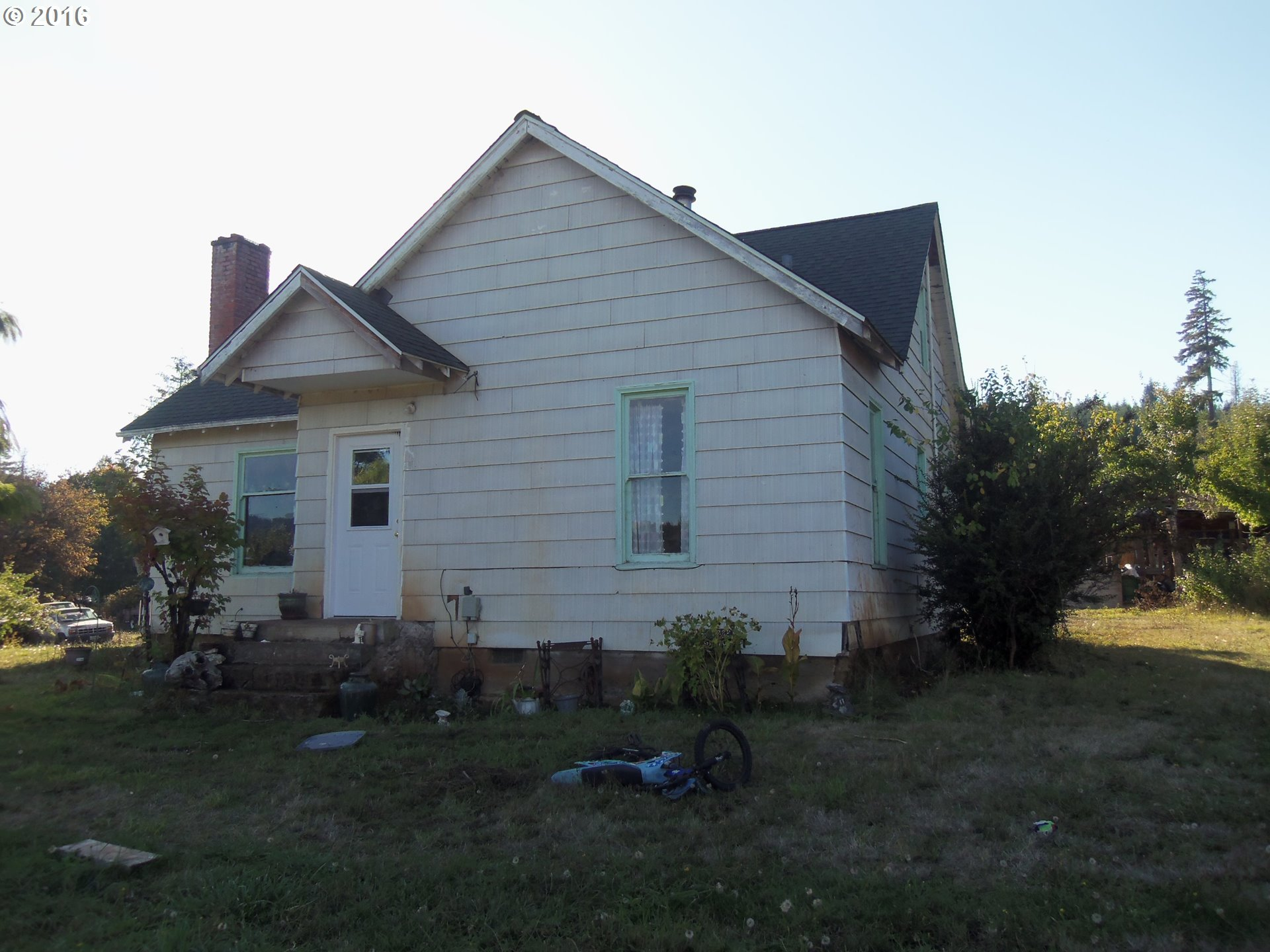 31841 CEDAR CREEK RD, Cottage Grove, OR 97424