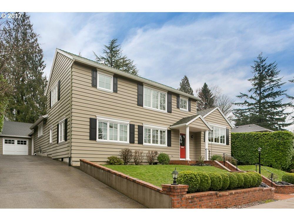 3706 SW BEAVERTON AVE, Portland OR 97239