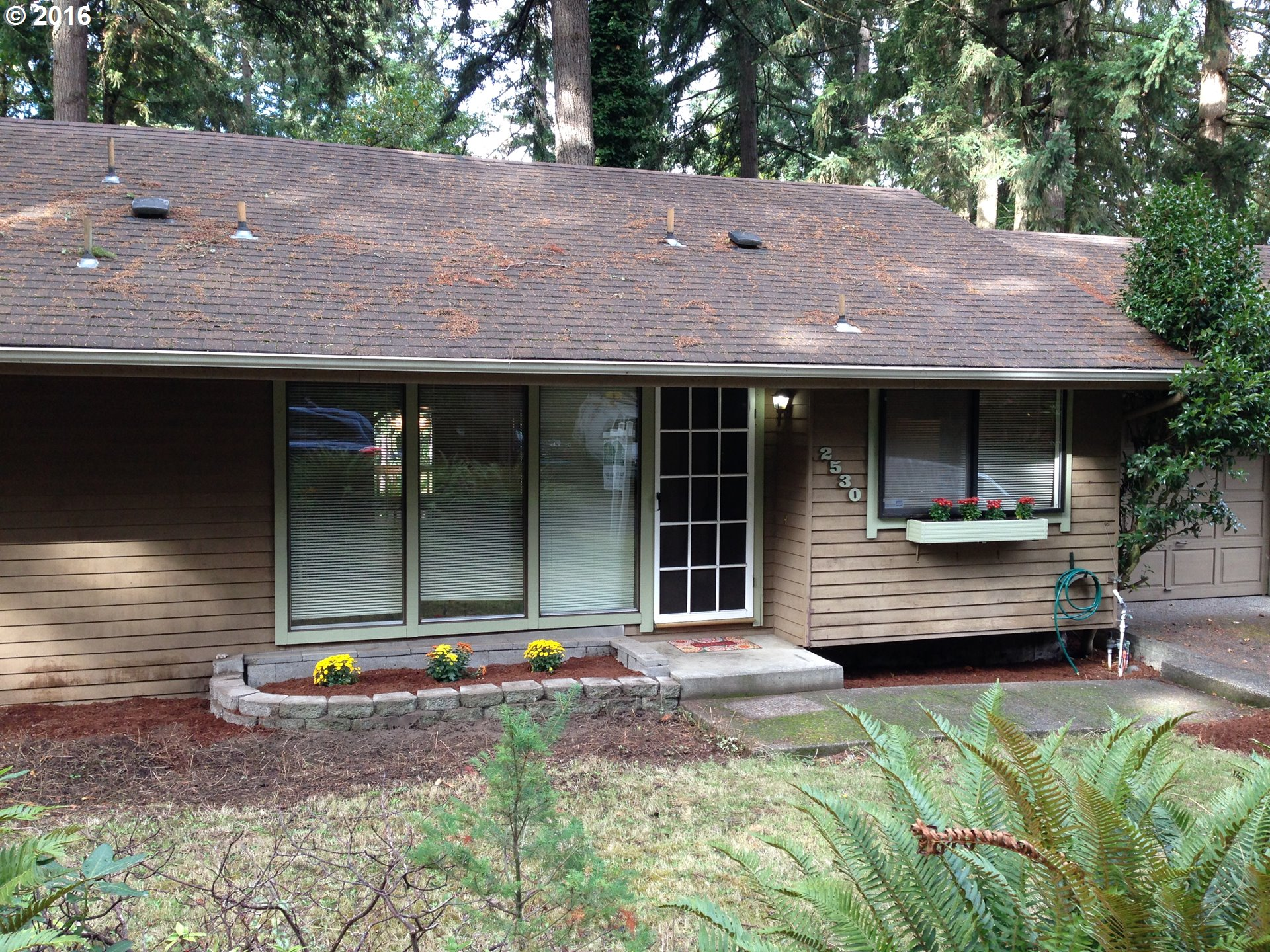 2530 CHAUCER CT, Eugene OR 97405