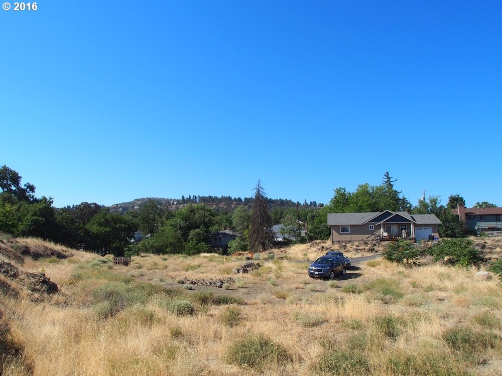 515 LINCOLN ST, THE DALLES, OR 97058  Photo 4