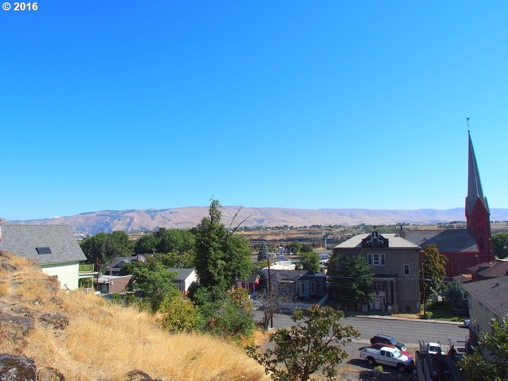 515 LINCOLN ST, THE DALLES, OR 97058  Photo 8