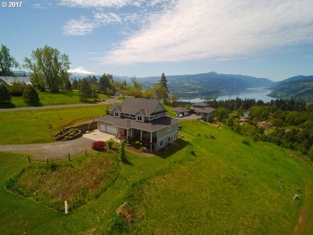 450 STRAWBERRY MTN PL, White Salmon, WA 98672