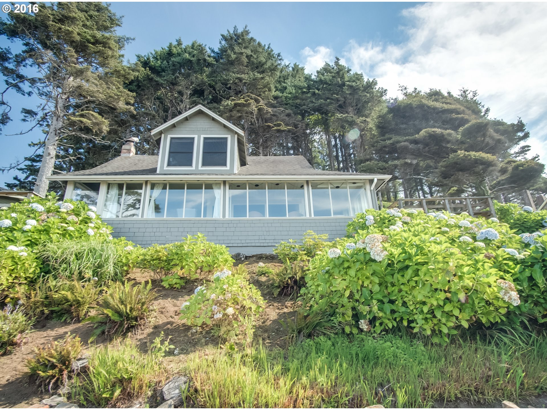 $999,990 - 3Br/4Ba -  for Sale in South Beach, Neskowin