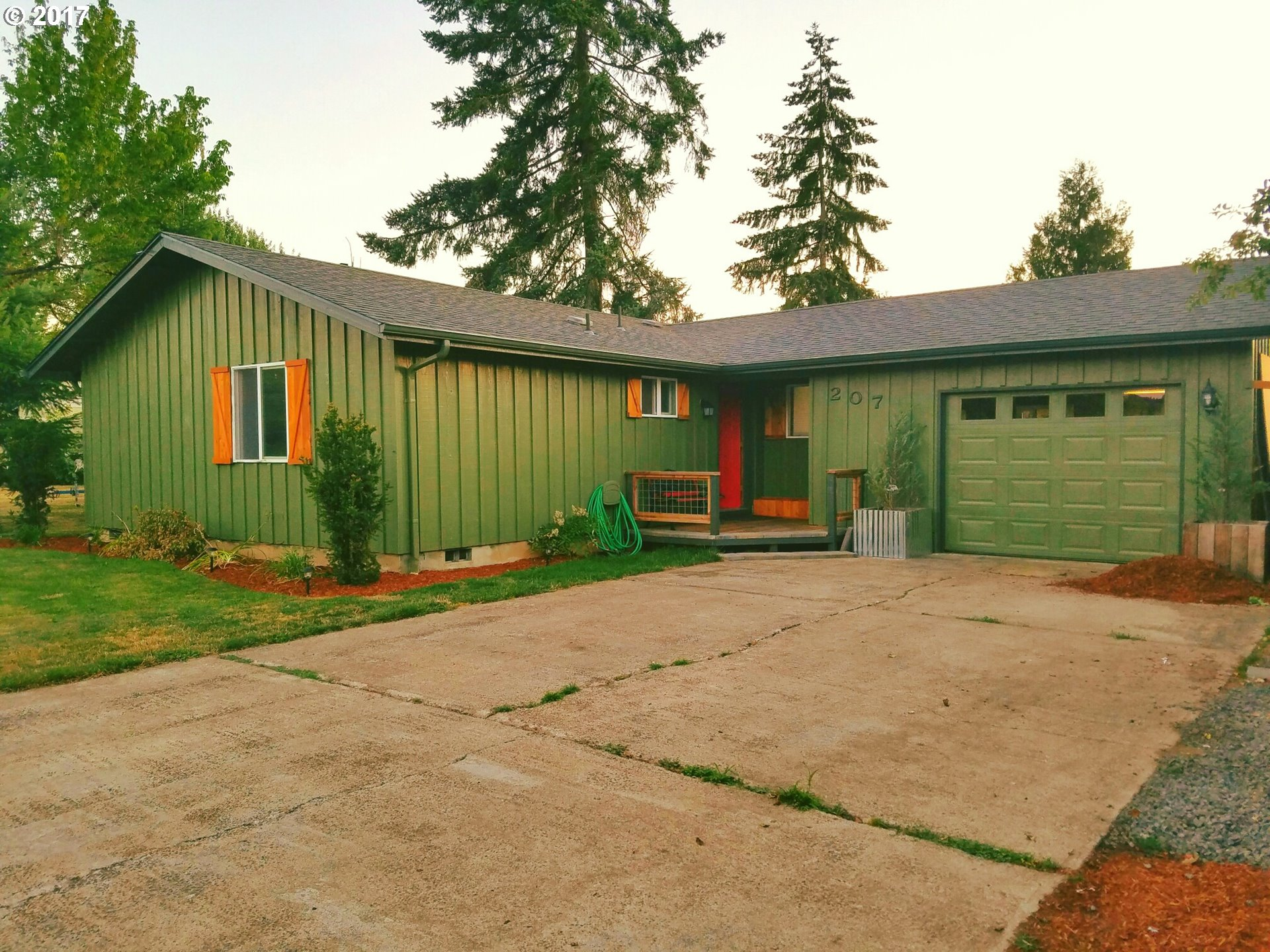 207 S R ST, Cottage Grove, OR 97424