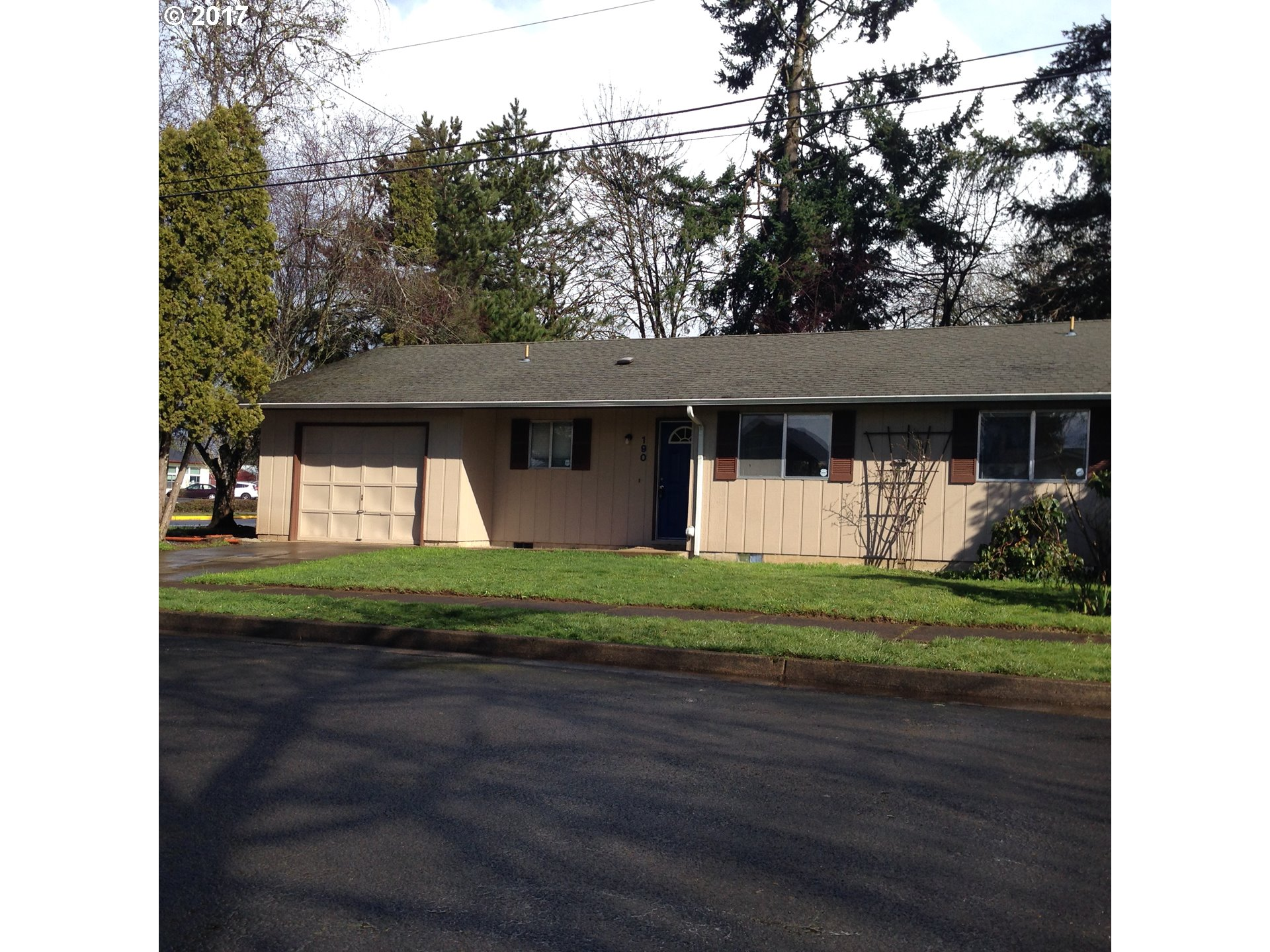 190 N 9TH ST, Creswell, OR 97426
