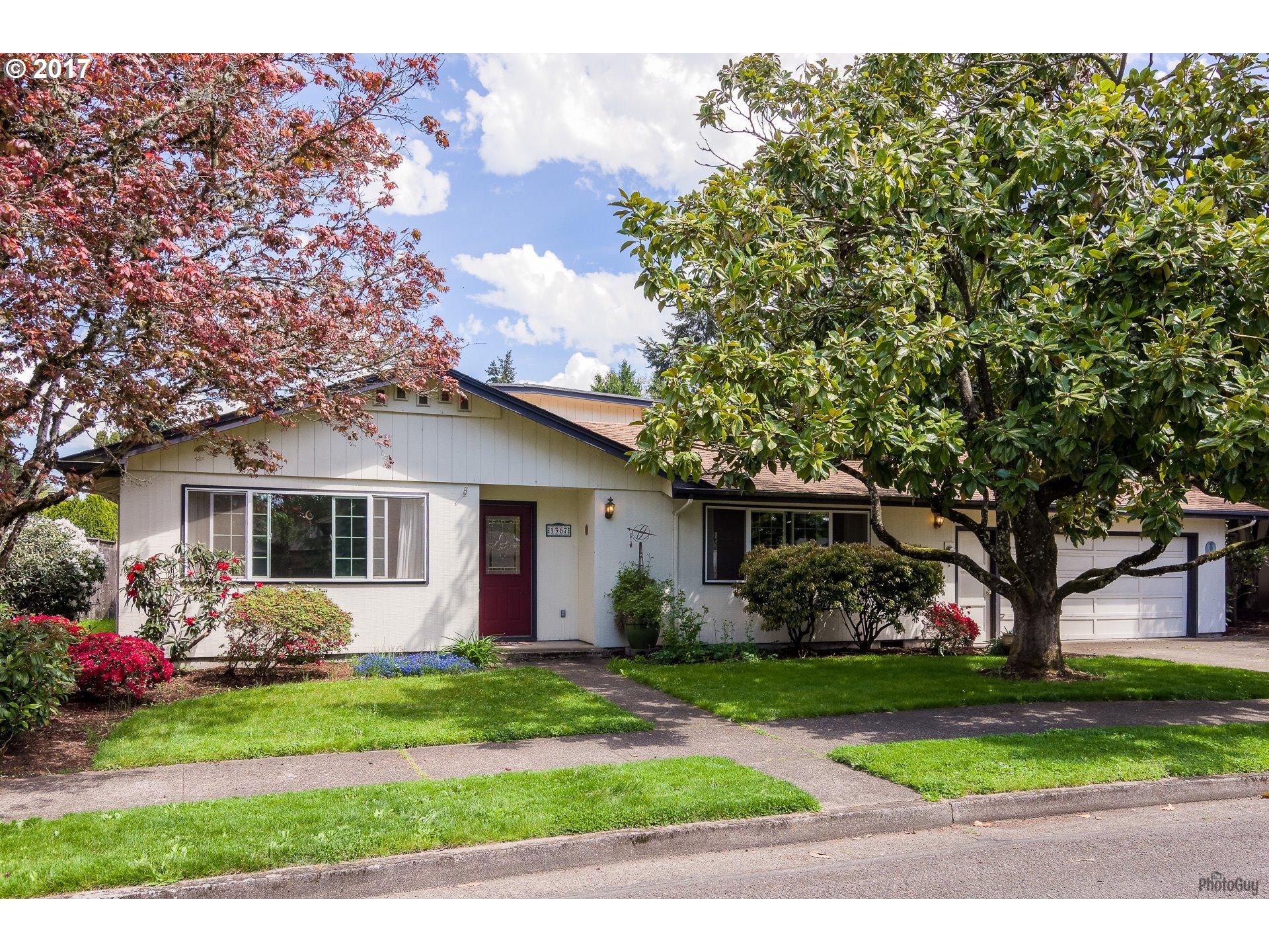 1367 JEPPESEN AVE, Eugene, OR 97401