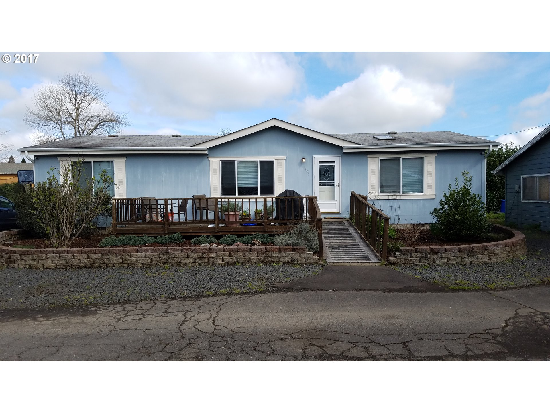 1141 LAUREL AVE, Springfield, OR 97478