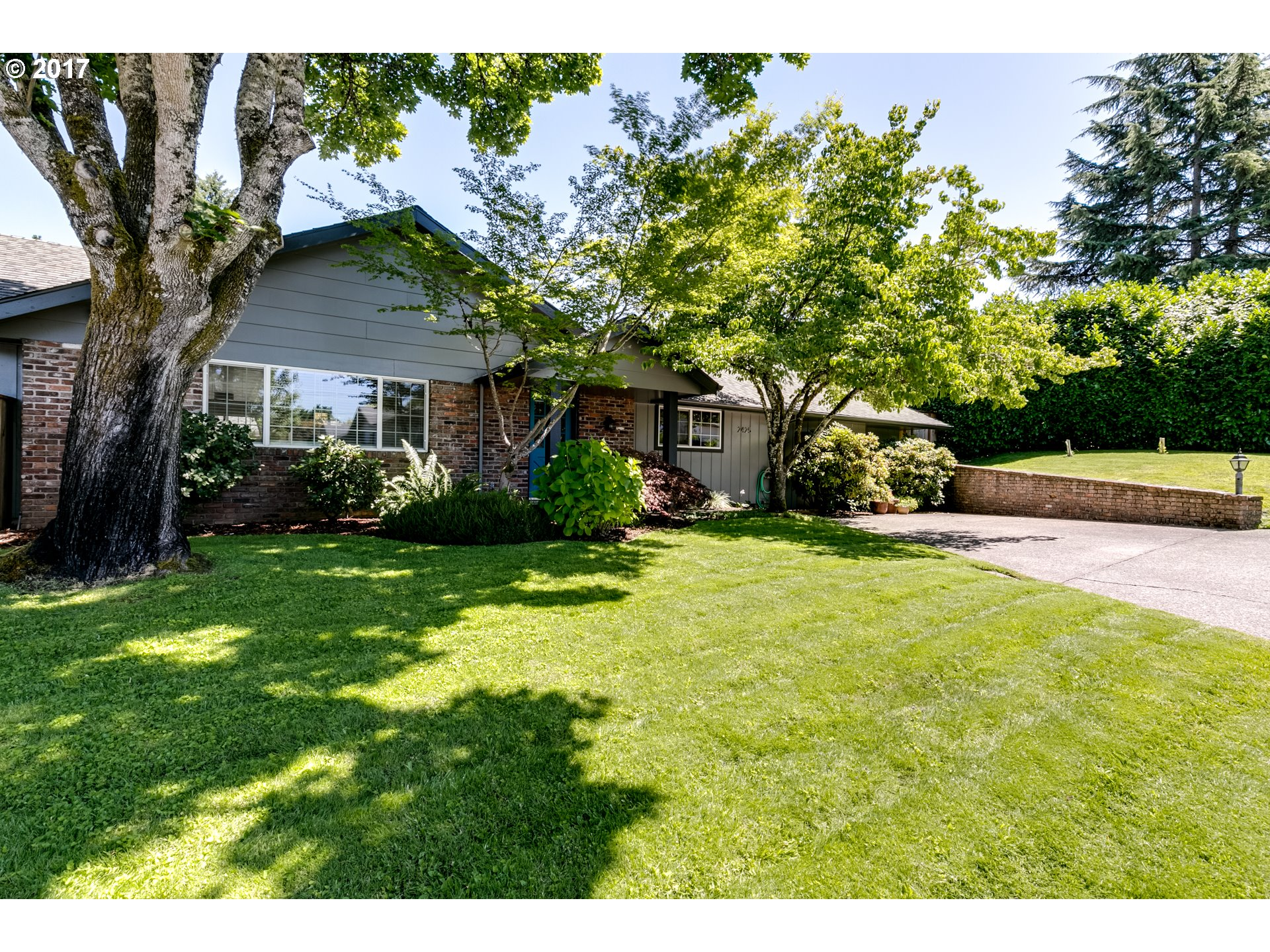 2423 34TH ST, Springfield, OR 97477