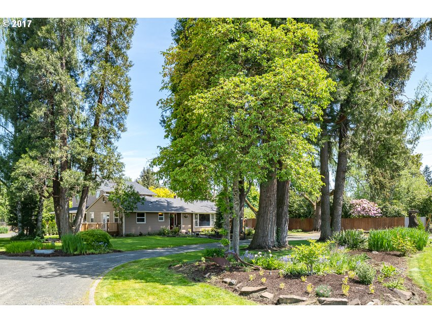 949 COUNTRY CLUB RD, Eugene, OR 97401