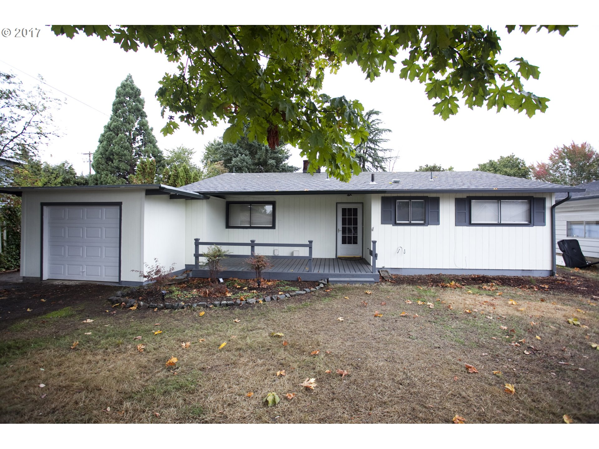 530 HAYDEN BRIDGE PL, Springfield OR 97477