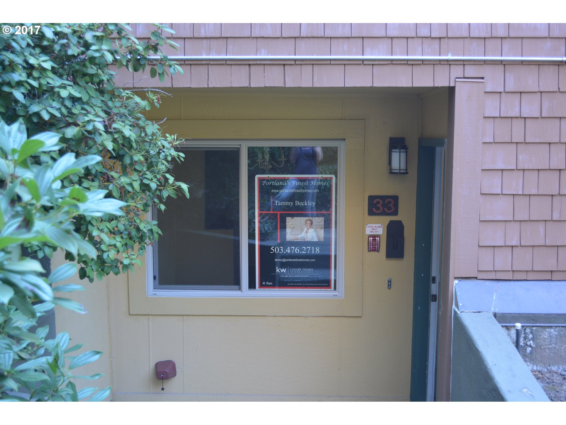 33 OSWEGO SMT, Lake Oswego, OR 97035