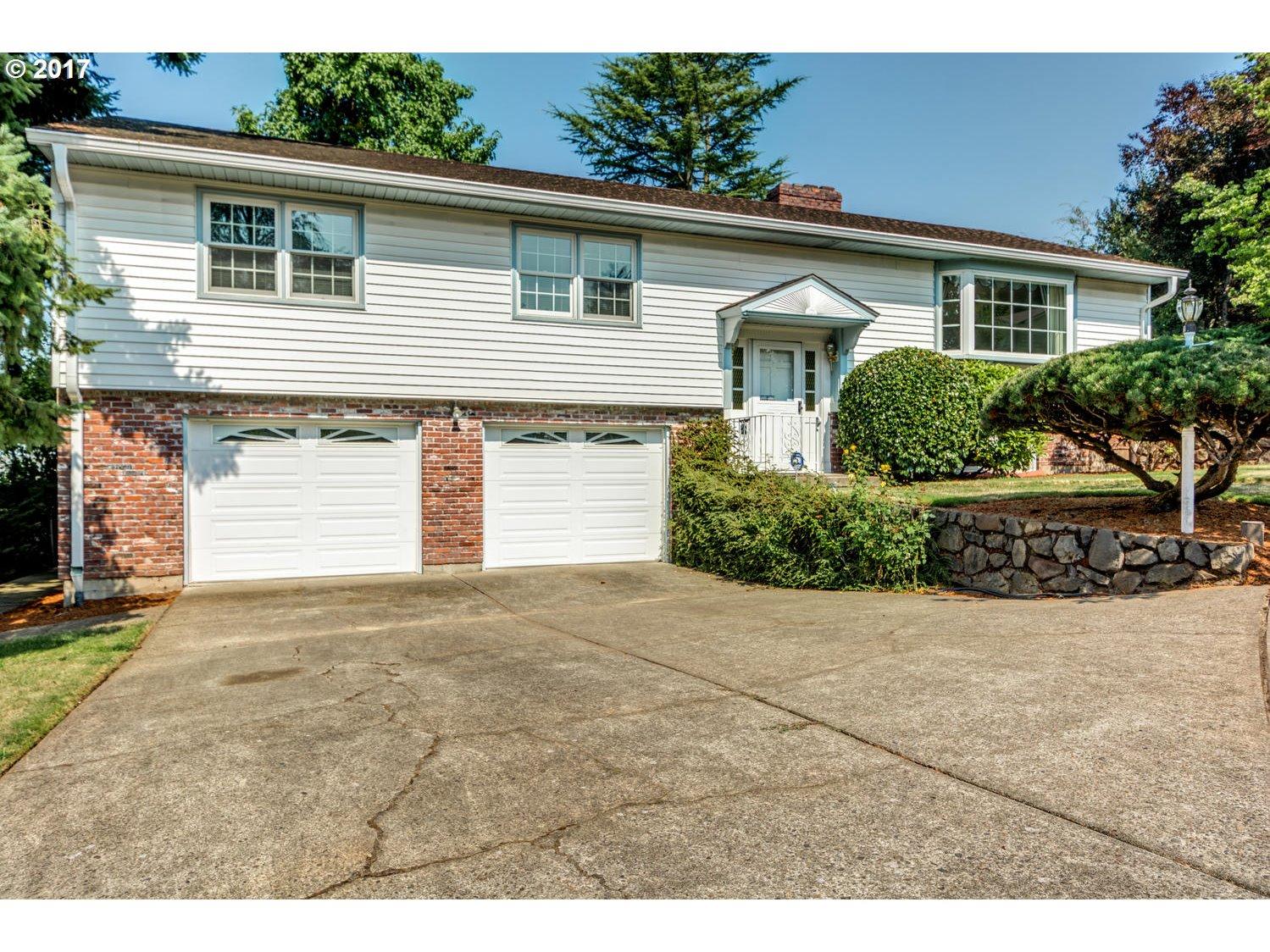 10977 SW BERKSHIRE PL, Portland OR 97225