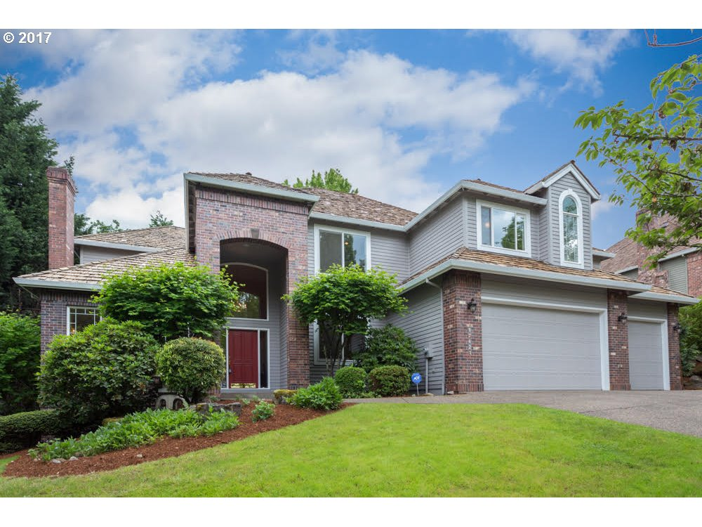 17421 BROOKHURST DR, Lake Oswego, OR 97034