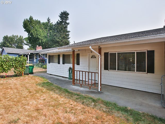 Single-level home on large lot in great neighborhood. This home has has a great floor plan with a double-car garage. Hardwood floors. A/C. Wood-burning fireplace. Huge potential. Near Nike and Cedar Hills Mall. Easy freeway access. Don't miss out. Call agent to show. Open House 9/24 from 1-3pm.