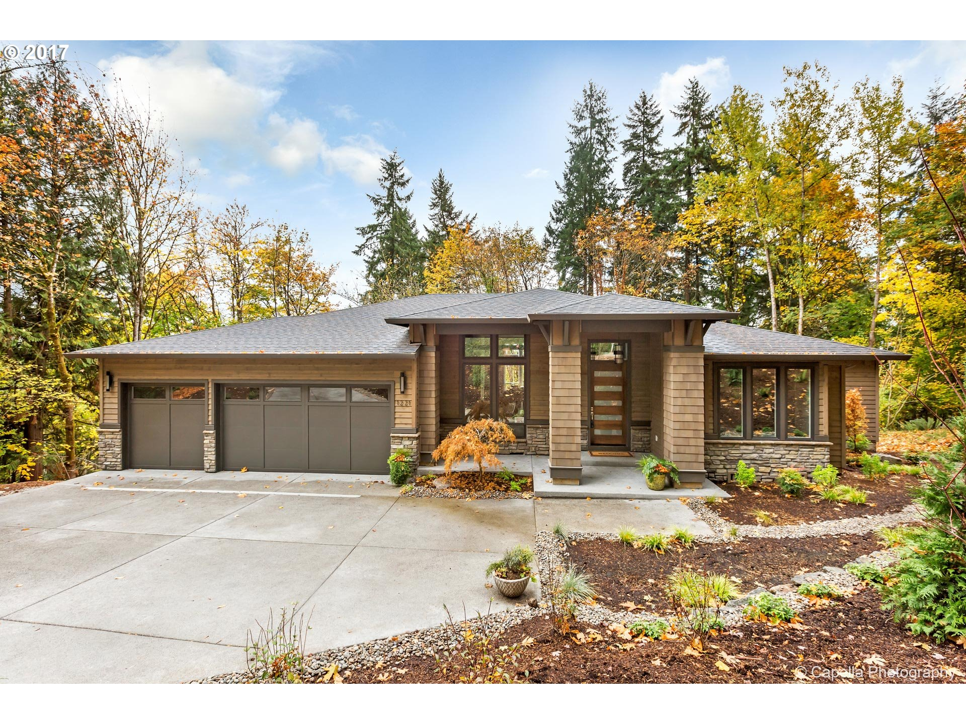 1221 GLENMORRIE DR, Lake Oswego OR 97034