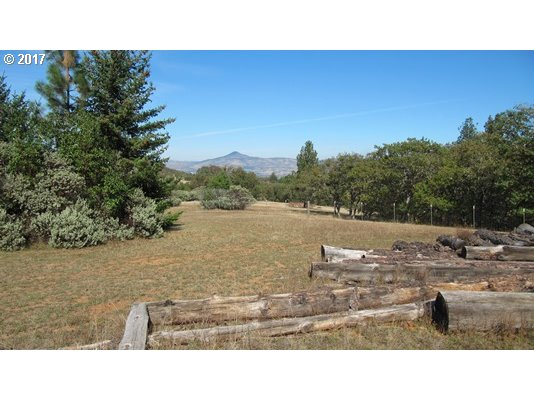 Applegate, OR  Bedroom Home For Sale