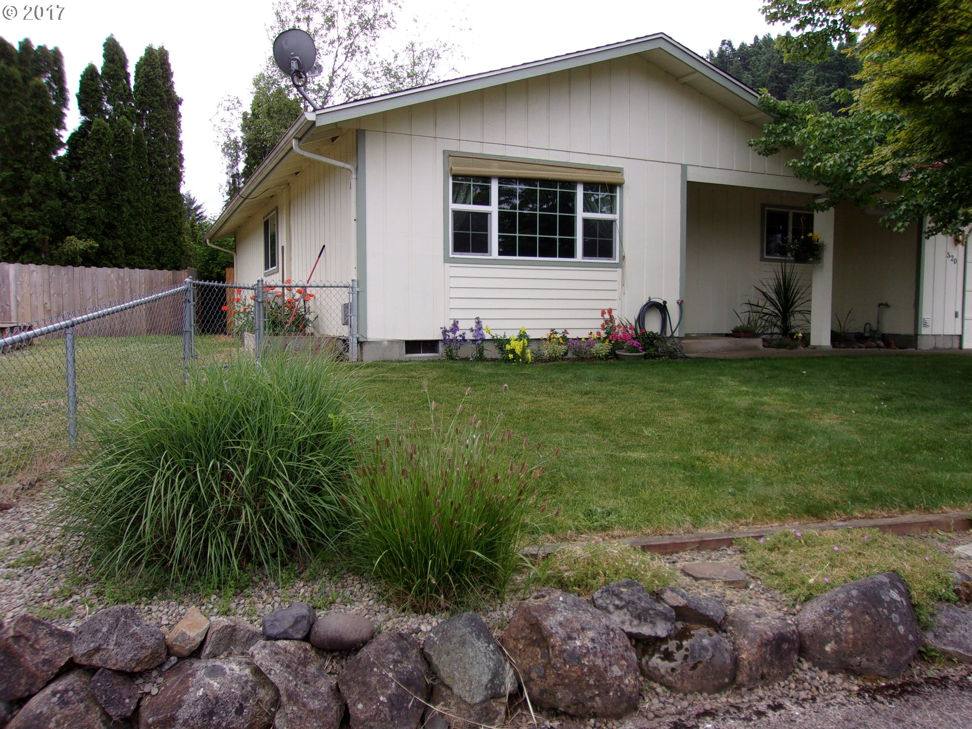 520 S 7TH ST, Creswell, OR 97426
