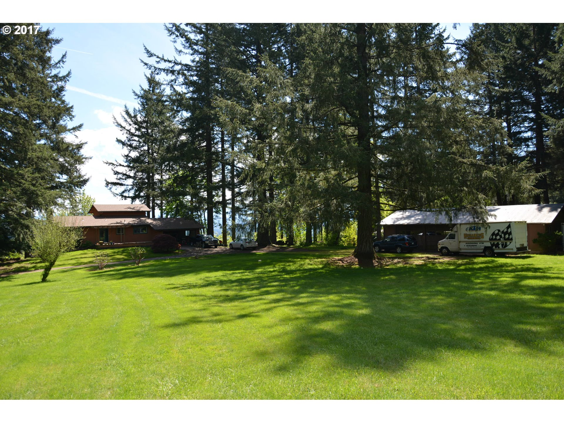 17135 SE ROYER RD, Damascus, OR 97089