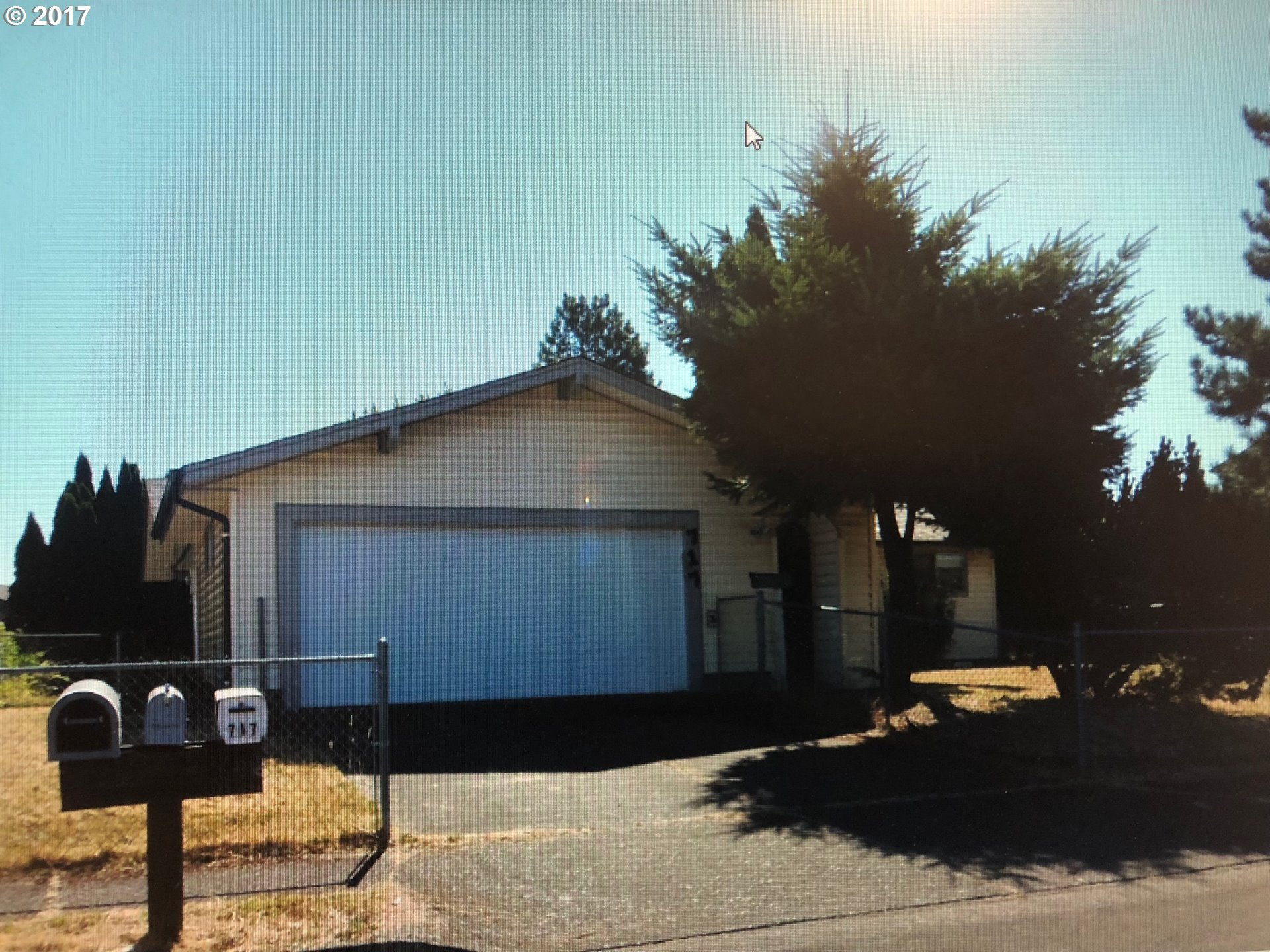 717 52ND PL, Springfield OR 97478