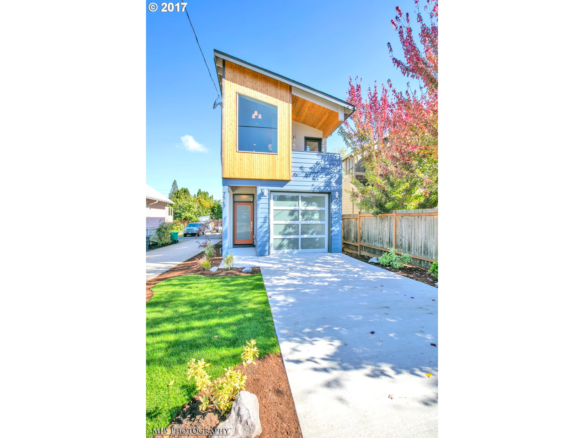 Quality new construction boasting a popular Modern design w/9' ceilings & vaults! Located in the popular Kenton neighborhood this homes 45 Walk Score & 83 Bike Score. Features inc: 3 spacious bdrms, 3 full bths,an oversized attached garage, lots of windows & natural lights, hrdwd flrs, slab cntrtpss, extensive tiles & atten to details.Construction will begin in April & is scheduled for completion approx. end of Aug 2017. Must see!