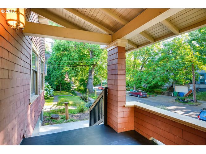 114 SE 17TH AVE Portland, OR 97214 - MLS #: 17053595