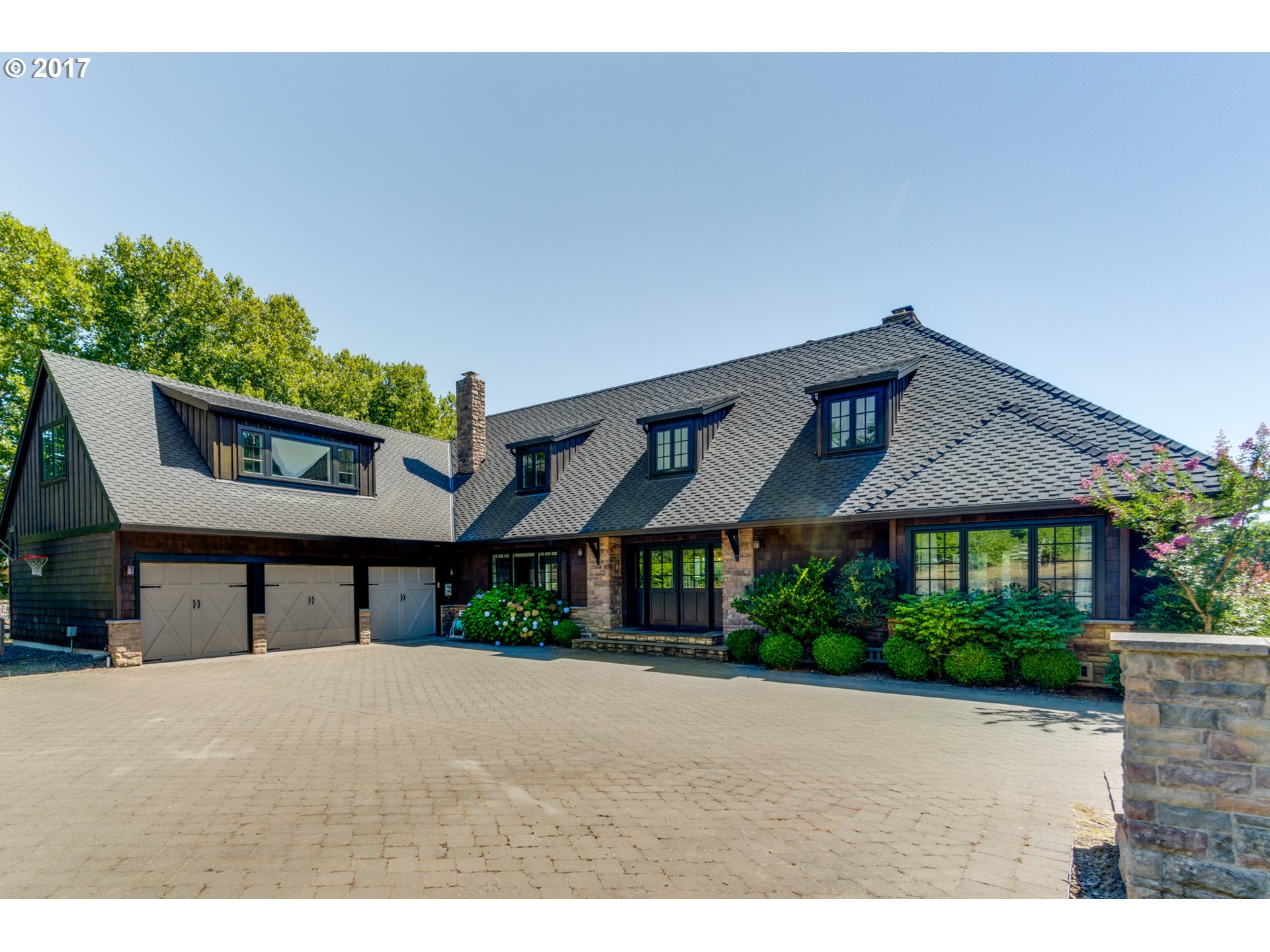 2160 CHILDS RD, Lake Oswego, OR 97034