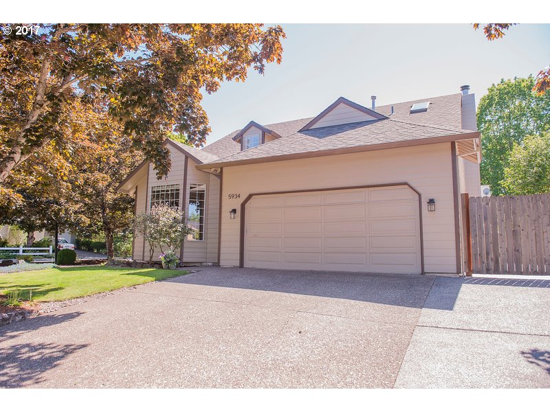 5934 NW LANDING DR, Portland, OR 97229