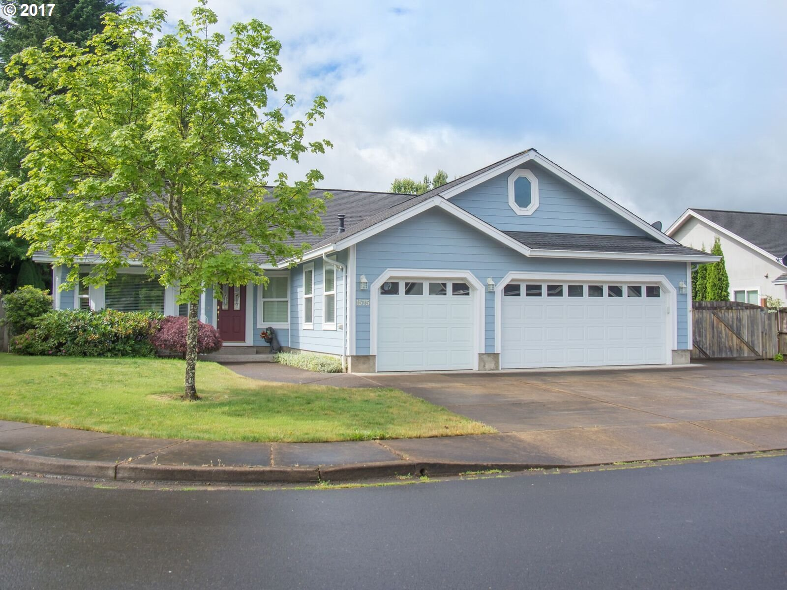 1575 FAIRVIEW PL, Cottage Grove, OR 97424