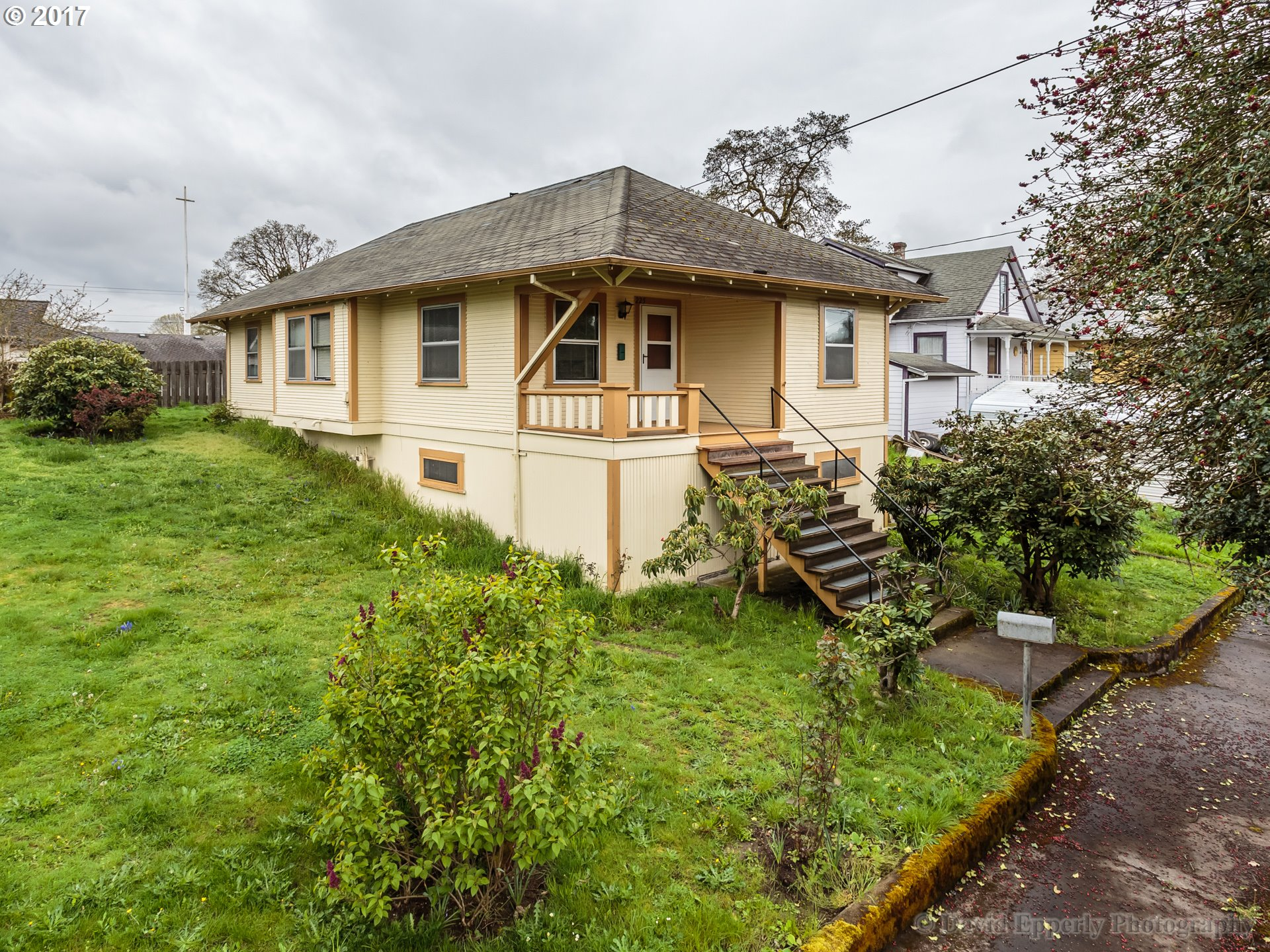 225 N 3RD ST, St. Helens, OR 97051