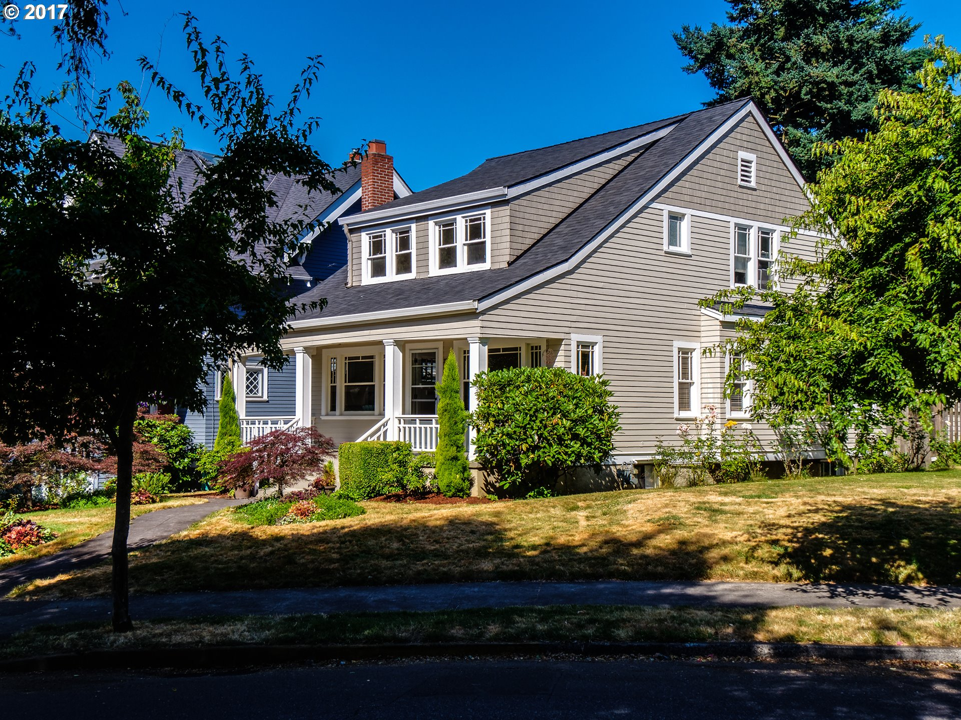 1711 SE LOCUST AVE, Portland, OR 97214