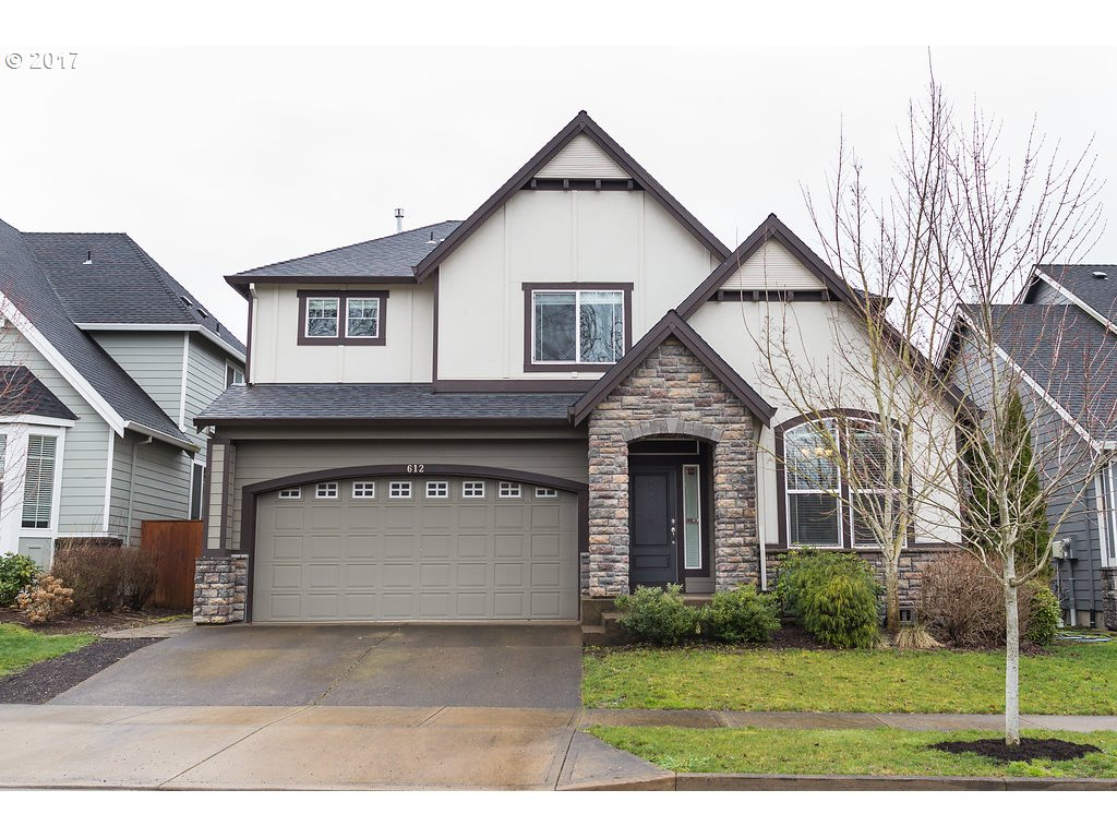 612 THE GREENS AVE, Newberg, OR 97132