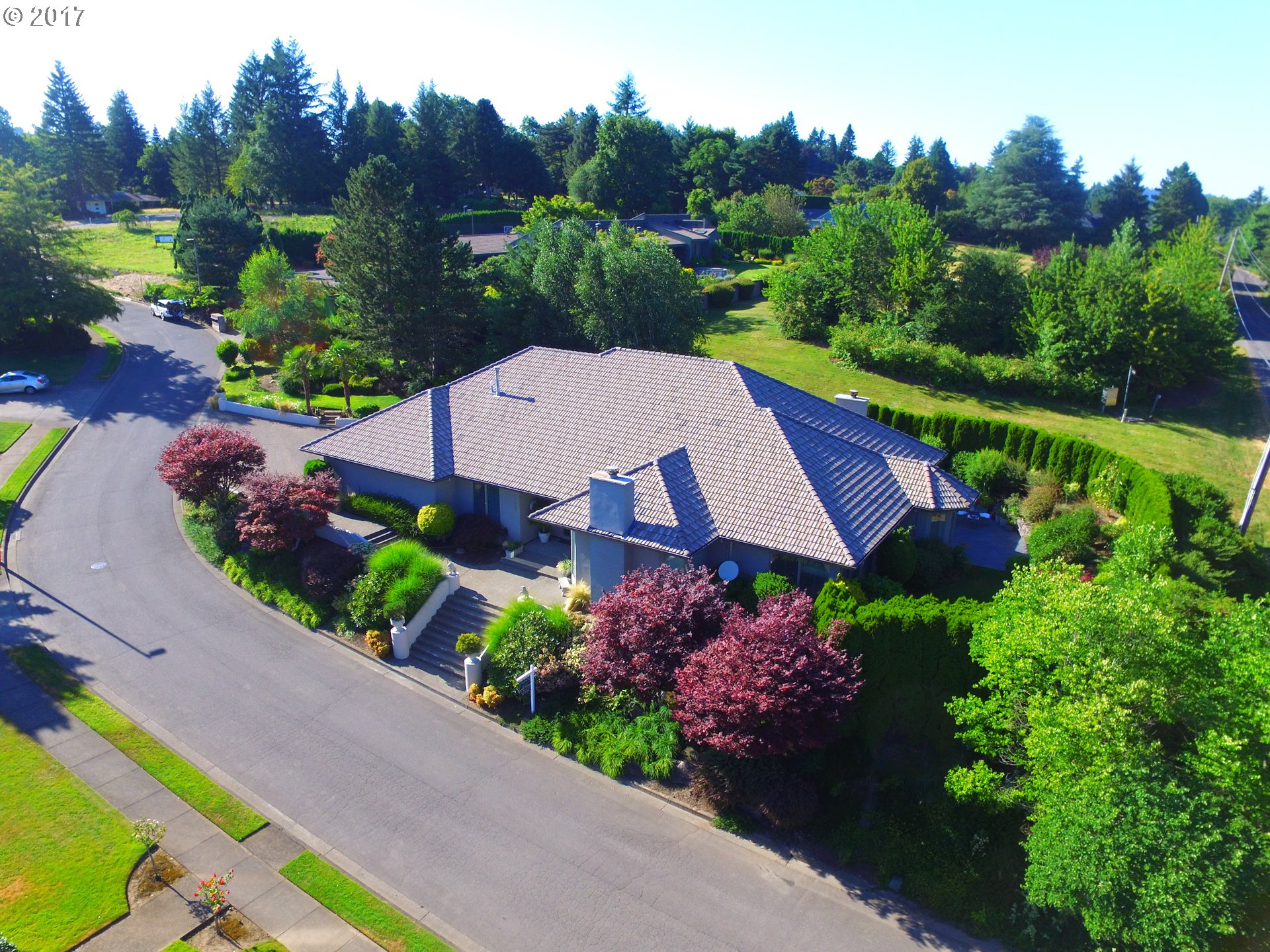 1555 Country Commons, Lake Oswego, OR 97034