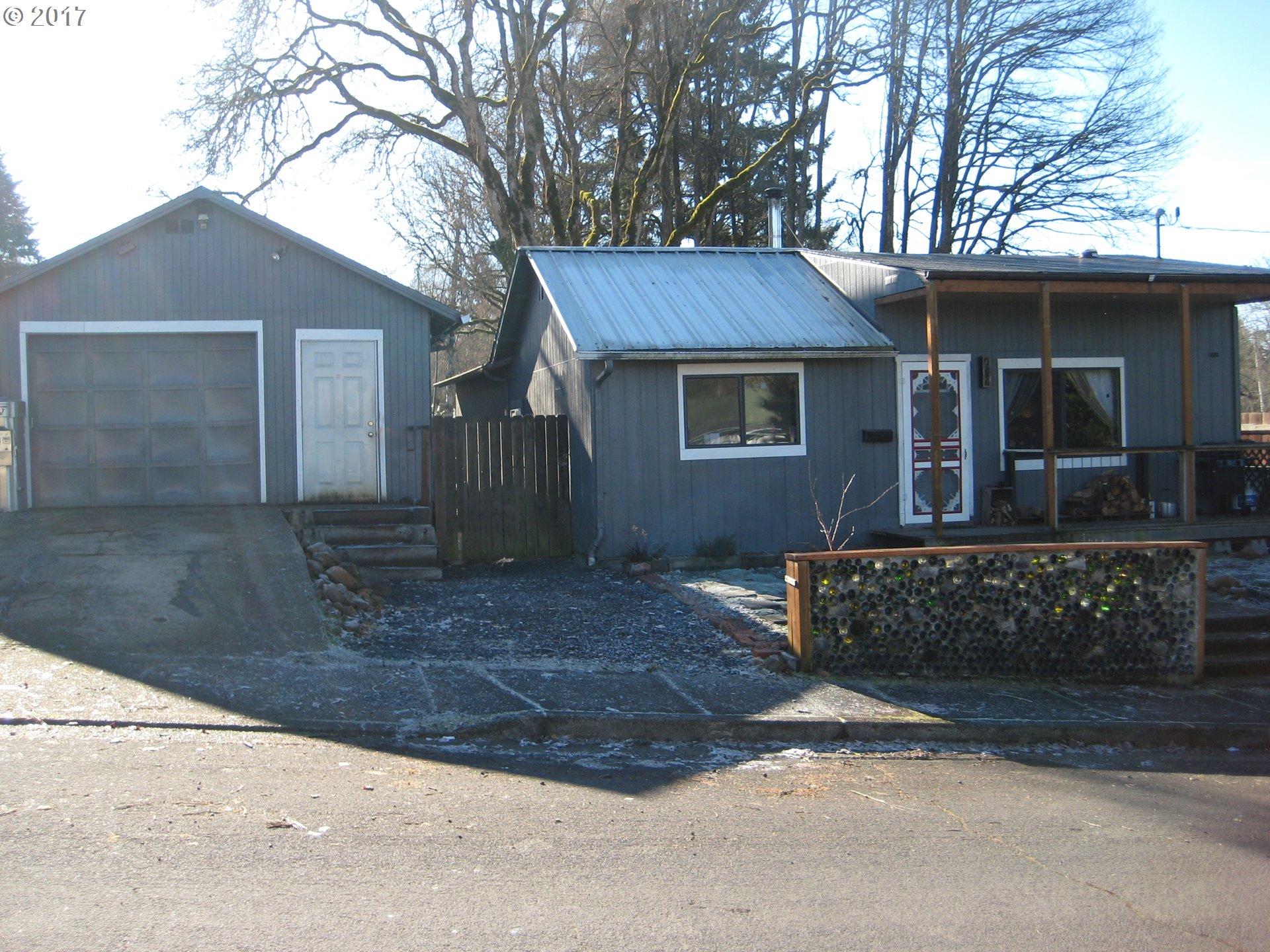 1307 E VAN BUREN AVE, Cottage Grove, OR 97424