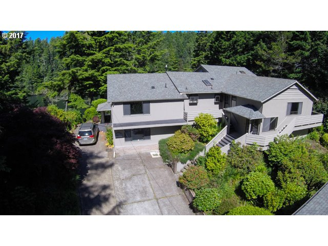 84606 EAST LAKE DR, Florence, OR 97439