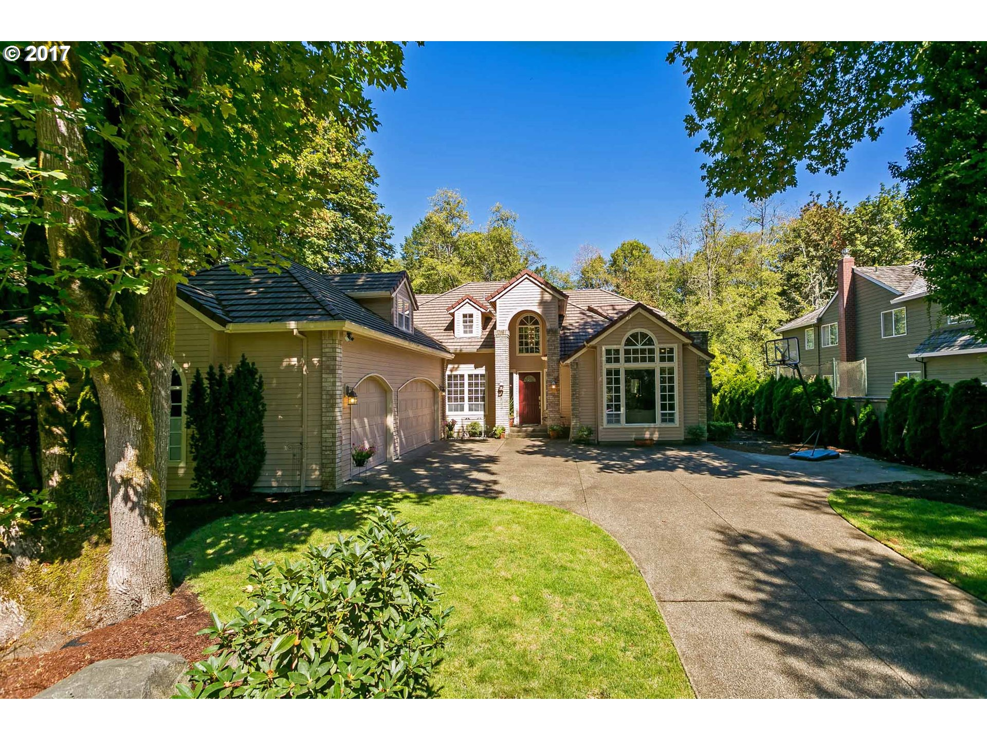 4635 DOGWOOD DR, Lake Oswego, OR 97035