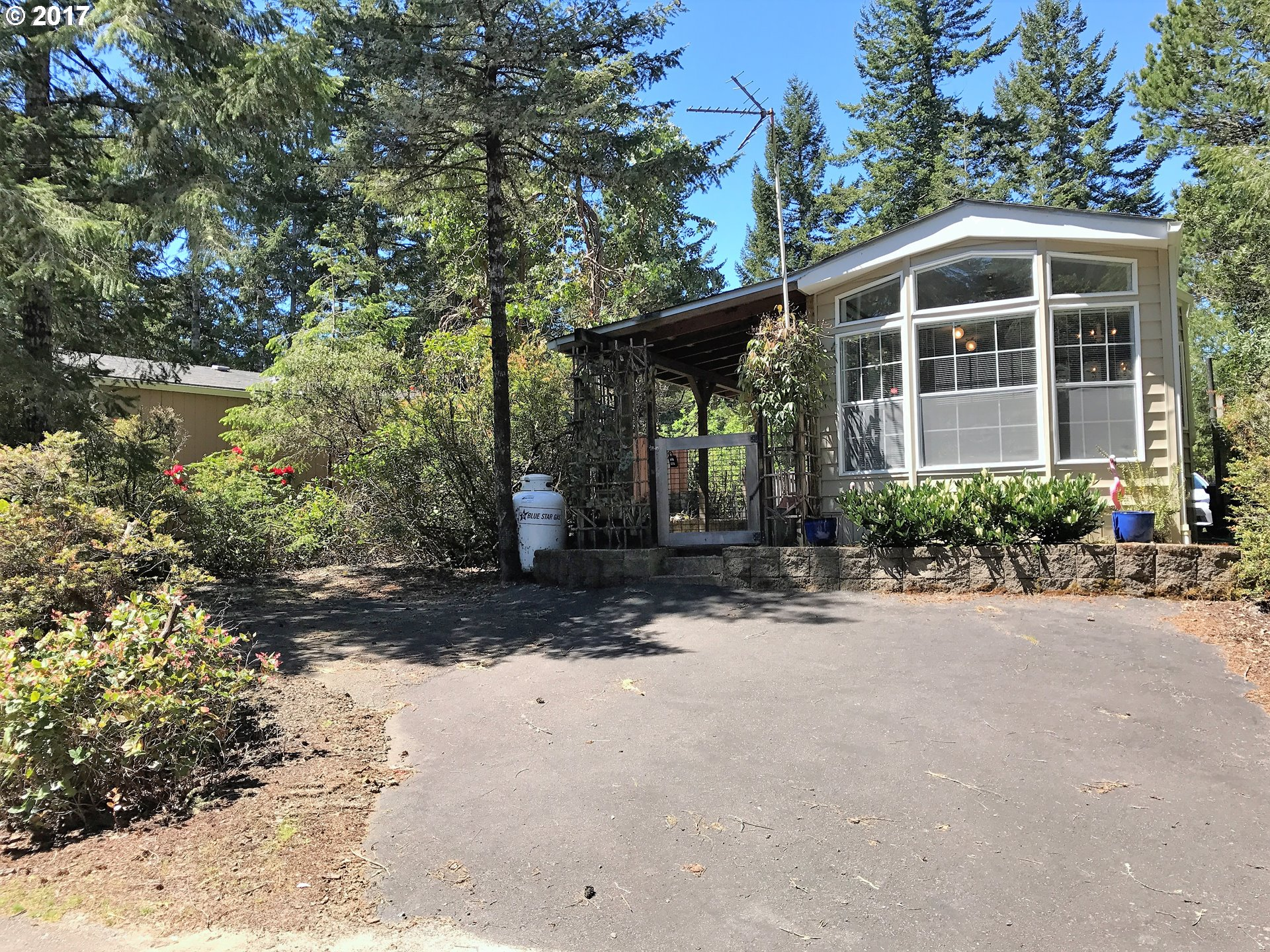 242 DRIFTWOOD DR, Florence, OR 97439