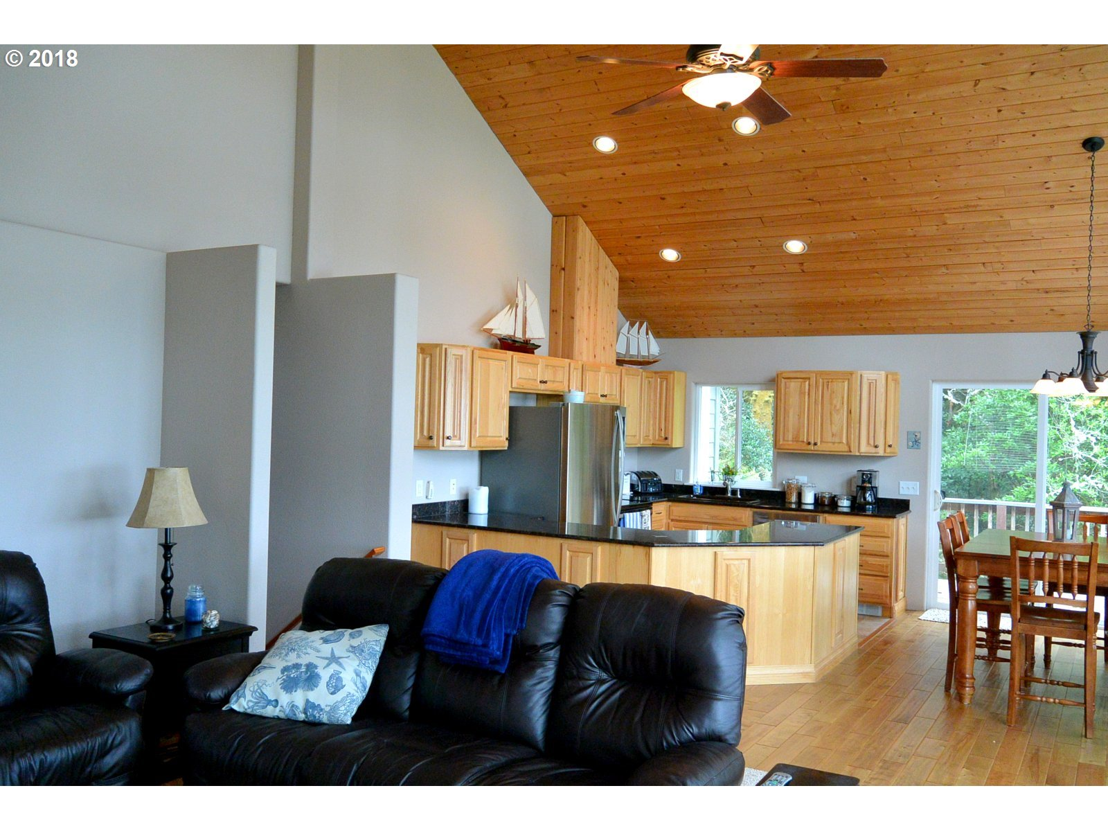 29991 RIVERVIEW DR, GOLD BEACH, OR 97444  Photo 18