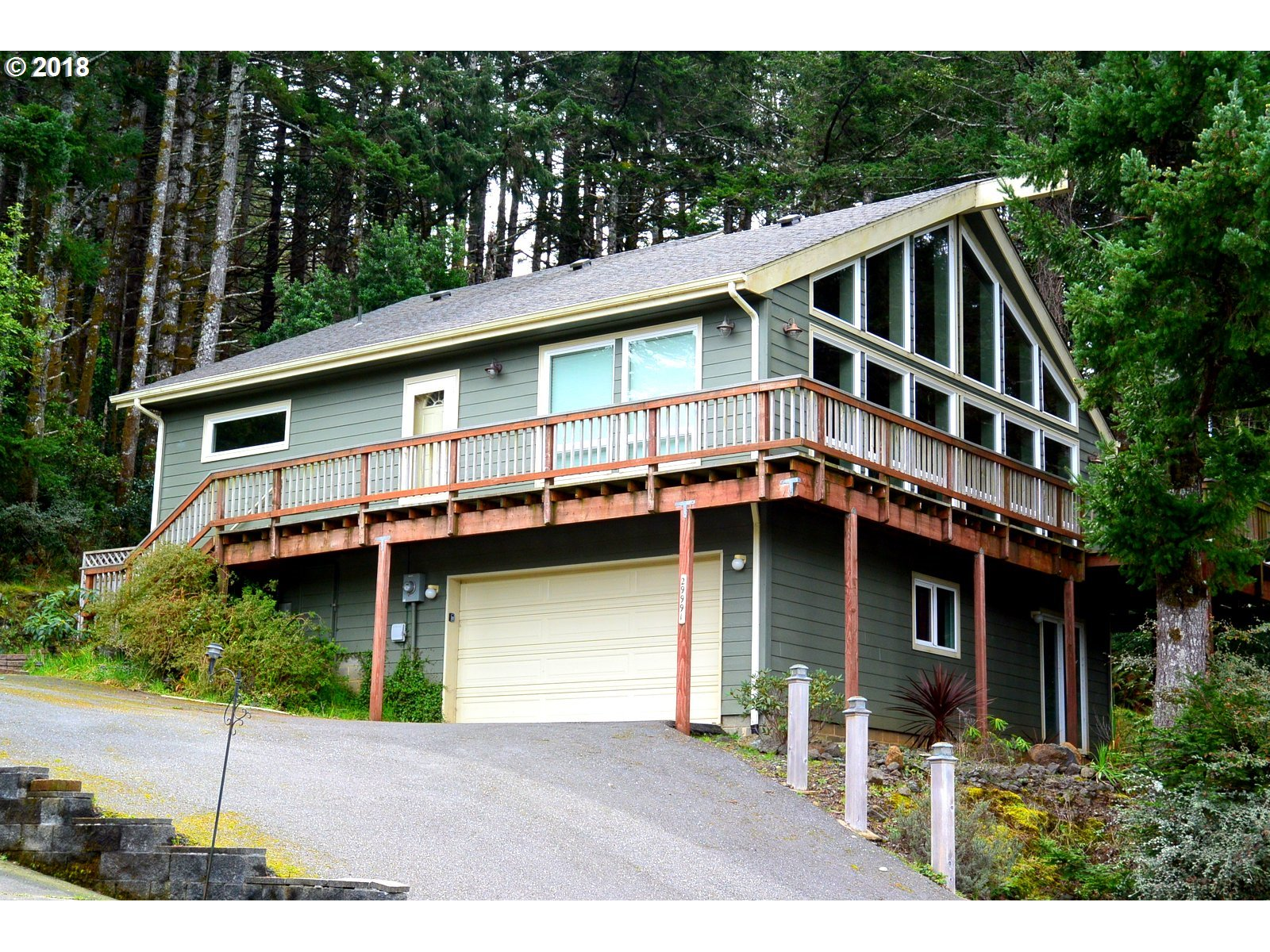29991 RIVERVIEW DR, GOLD BEACH, OR 97444  Photo 4