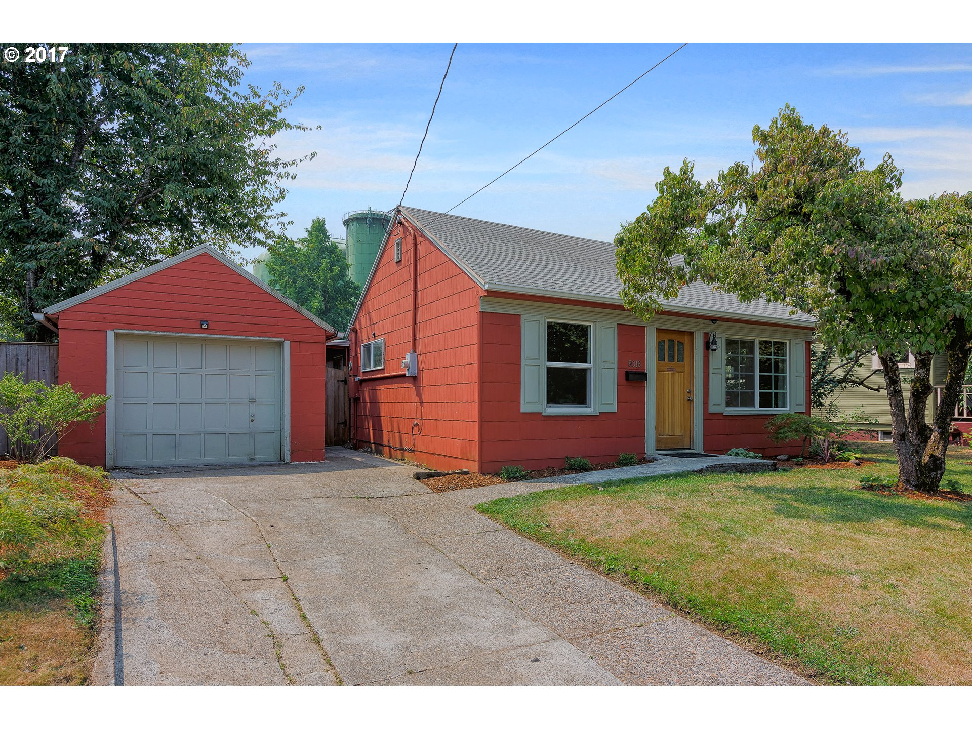 Adorable home in a great location! Well maintained 2 bedroom 1 bath home with a updated kitchen, bathroom and newer windows and ready for you to move in!! Fenced backyard with a patio and raised gardens is great for back yard BBQ's. Walk to Cathedral Park, downtown St. John's shops, cafes, restaurants, movie theater and public transportation! Walking score of 87!Open house Sunday 8/20/17 1pm-3pm!
