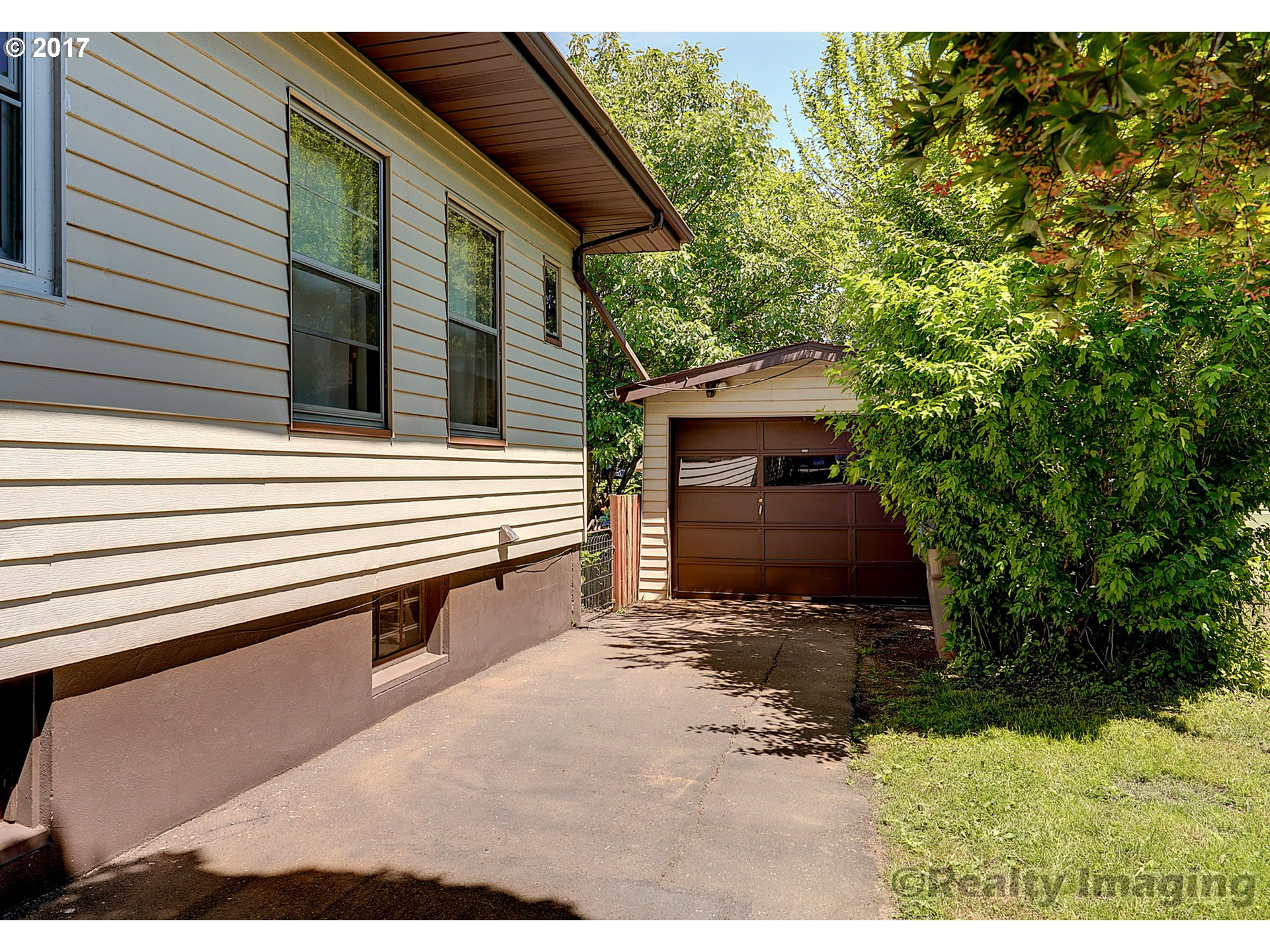 1604 SE 38TH AVE Portland, OR 97214 - MLS #: 17090350