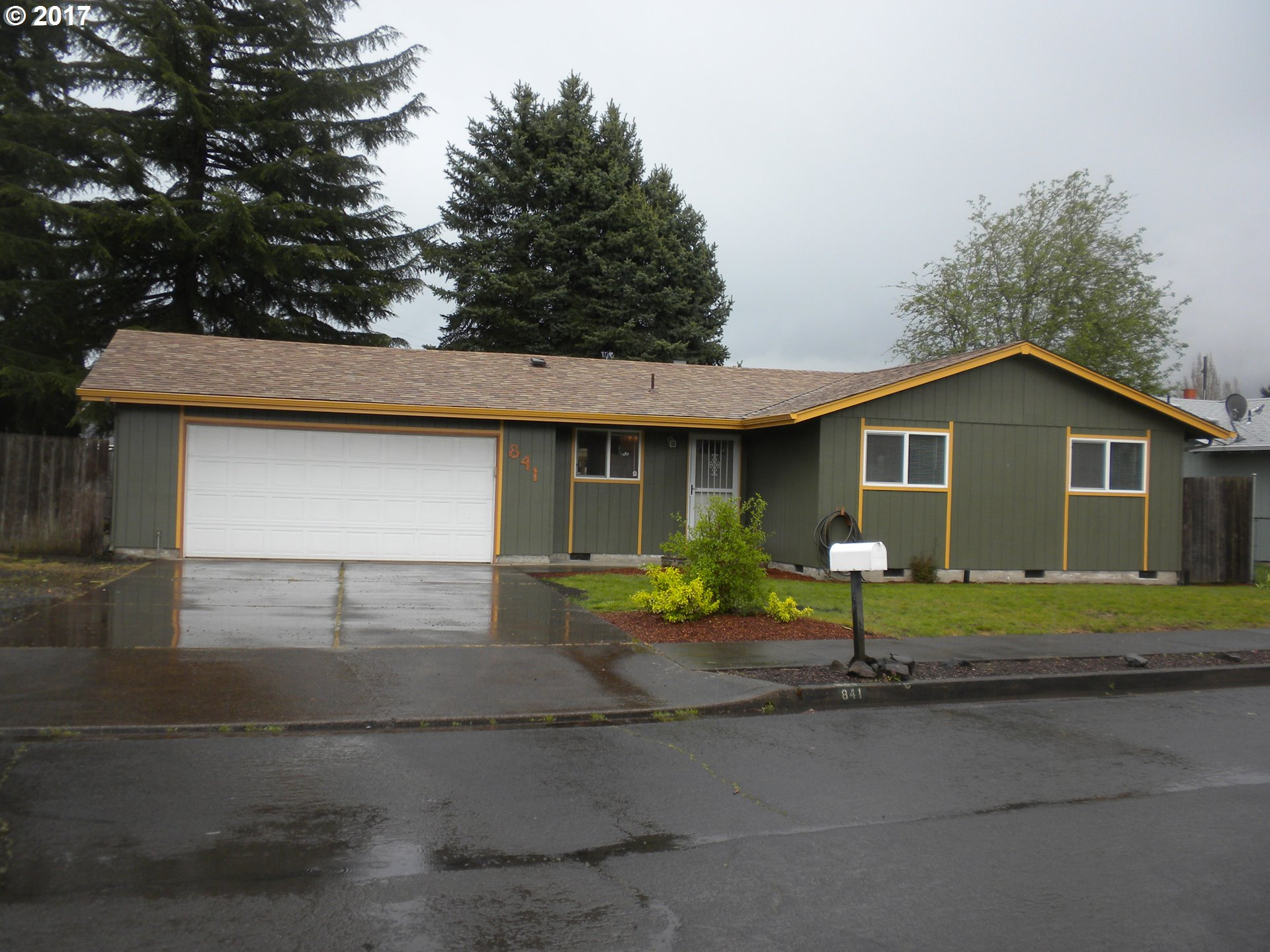 841 54TH PL, Springfield, OR 97478