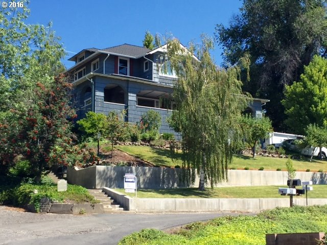 3180 sq. ft 5 bedrooms 2 bathrooms  House For Sale,Pendleton, OR