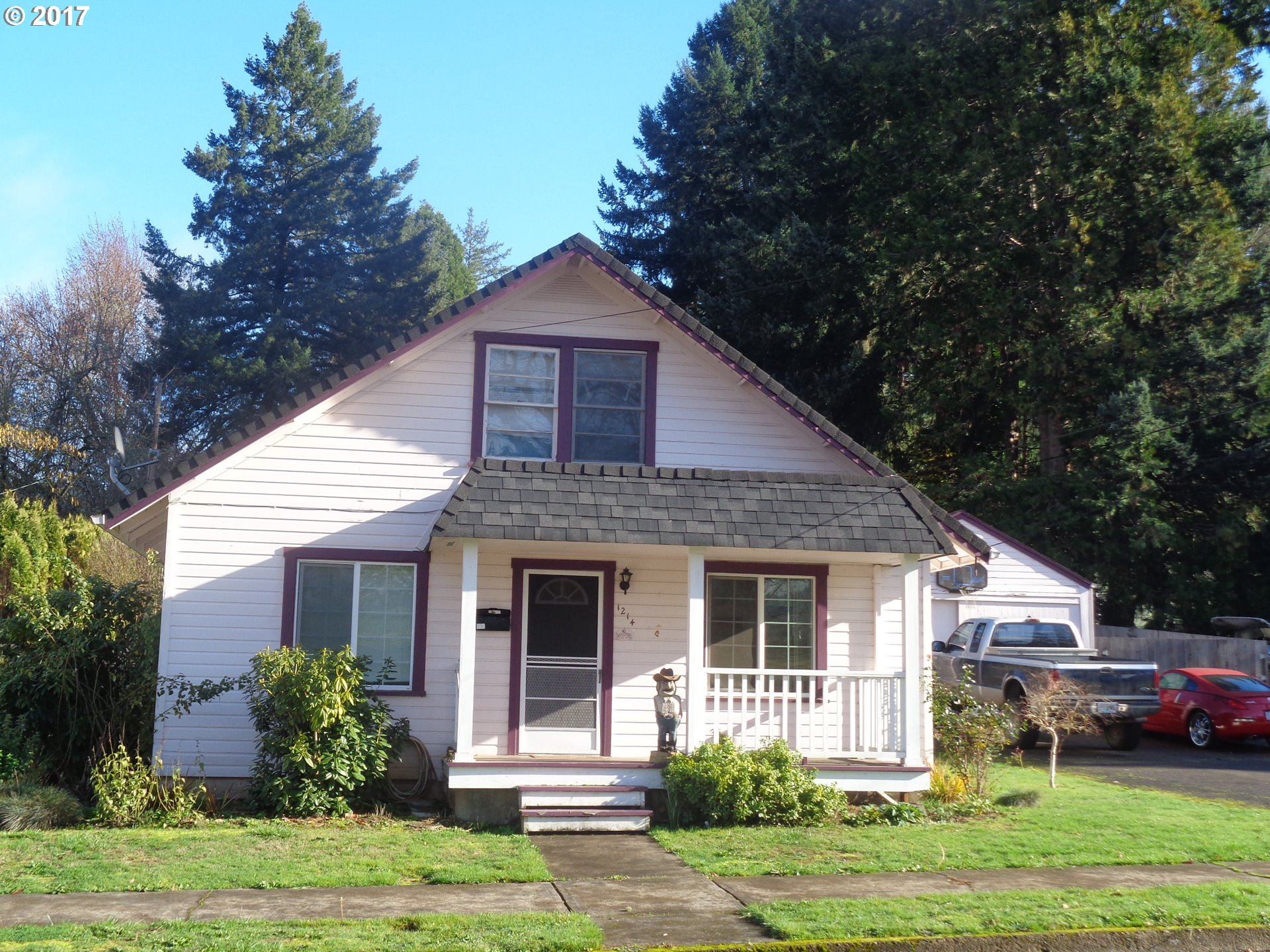 1214 S 8TH ST, Cottage Grove OR 97424