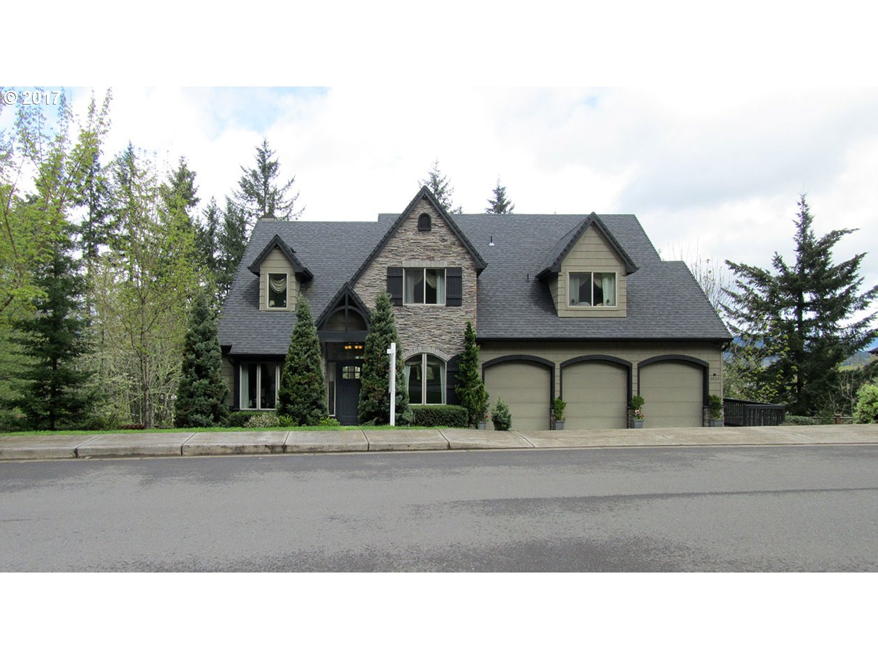 6420 FOREST RIDGE DR, Springfield, OR 97478