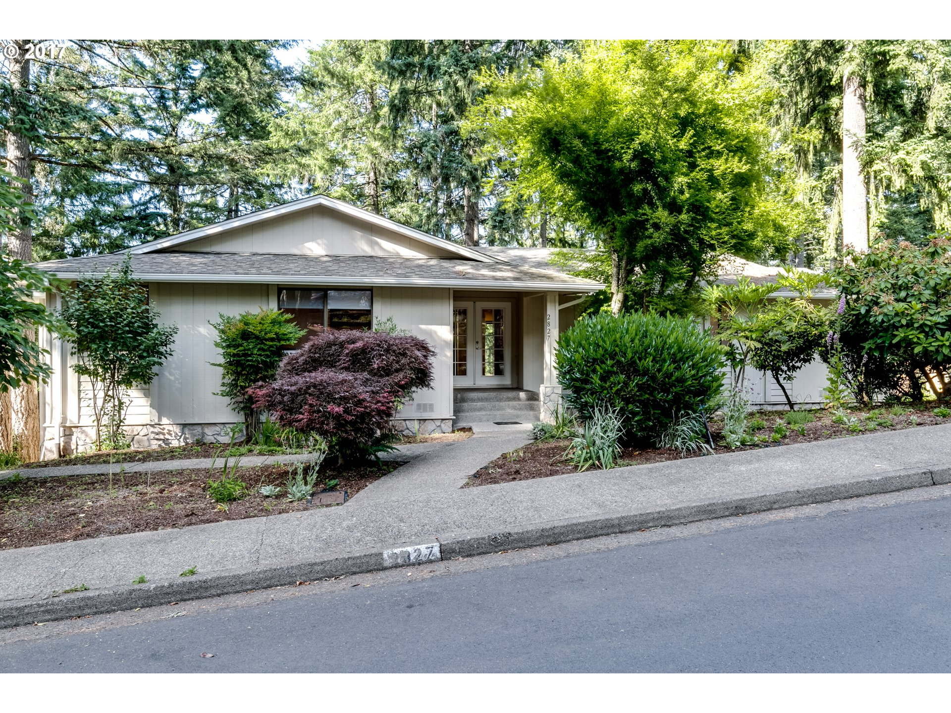 2827 CITY VIEW ST, Eugene OR 97405
