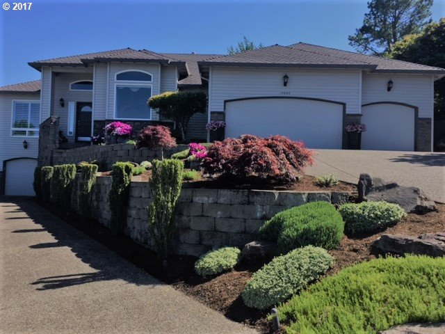 15425 SE VISTA SUNRISE CT, Milwaukie, OR 97267